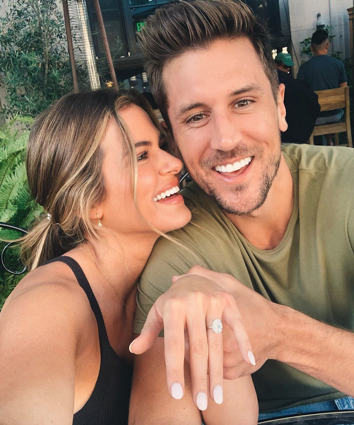 Jordan Rodgers Re-Proposes to Jojo Fletcher with New Ring 3 Years After Getting Engaged on The Bachelorette