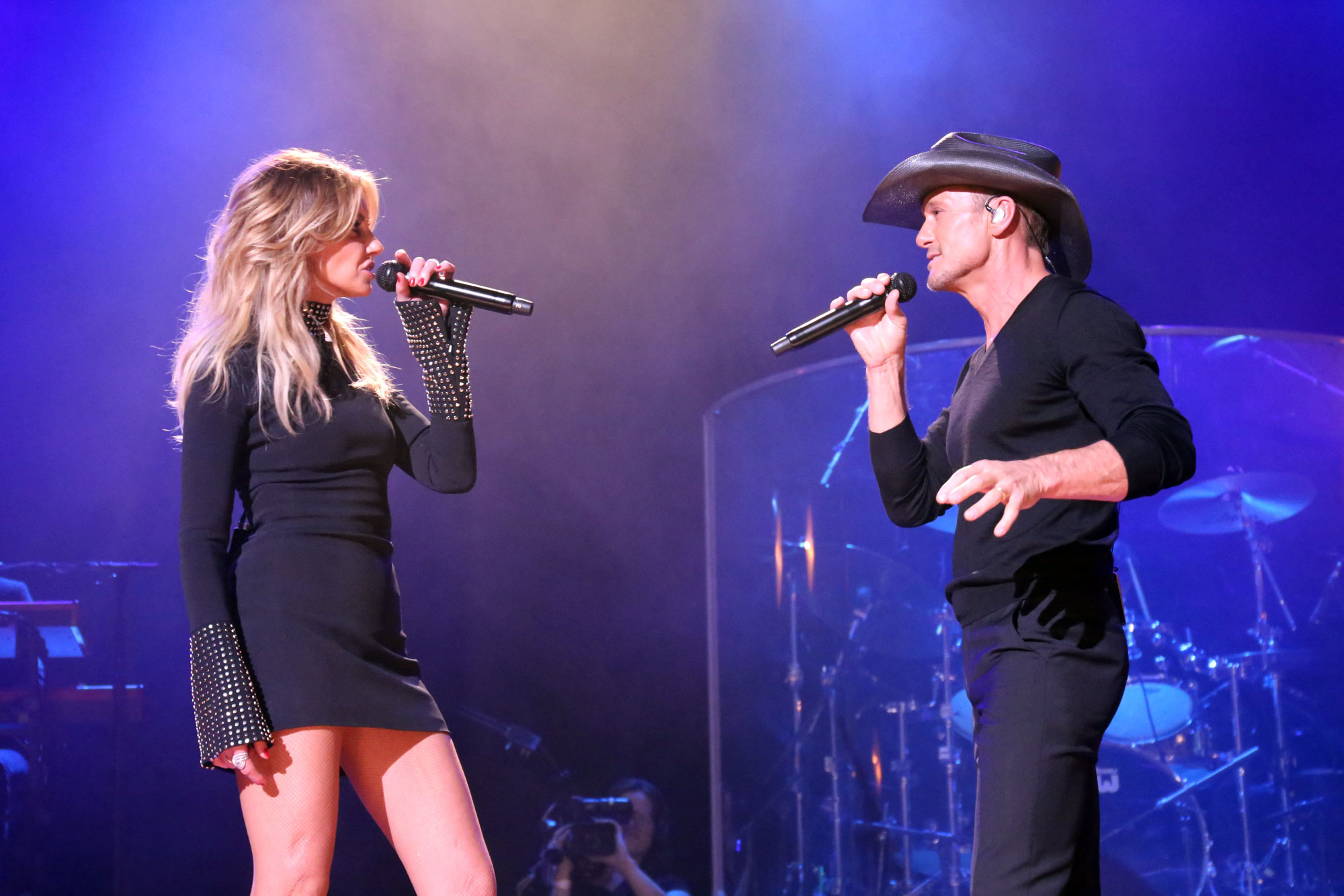 tim and faith's concert last night announcing their new tour