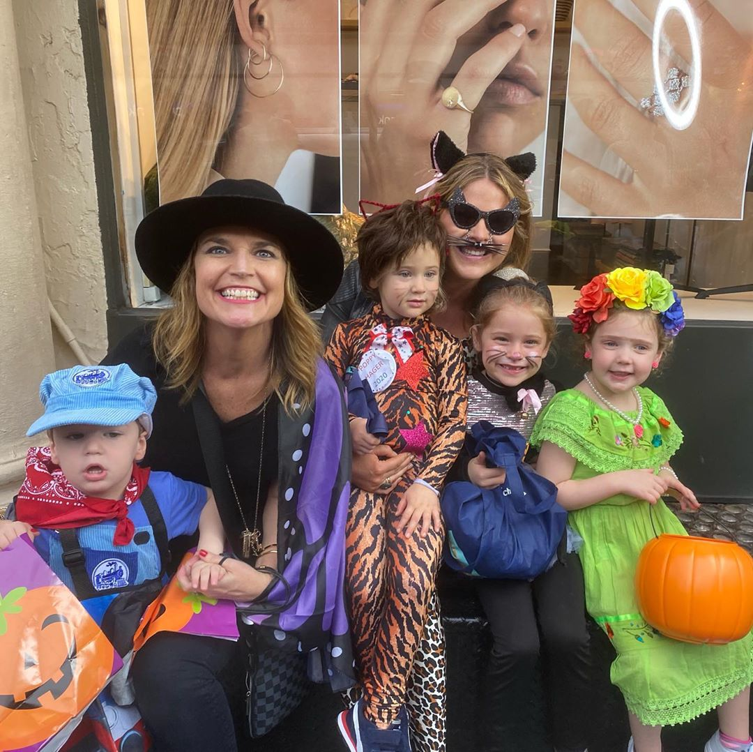 Who Is Davannah Guthrie Dressing Up As For Halloween 2020 Jenna Bush Hager and Savannah Guthrie Take Their Kids Trick or