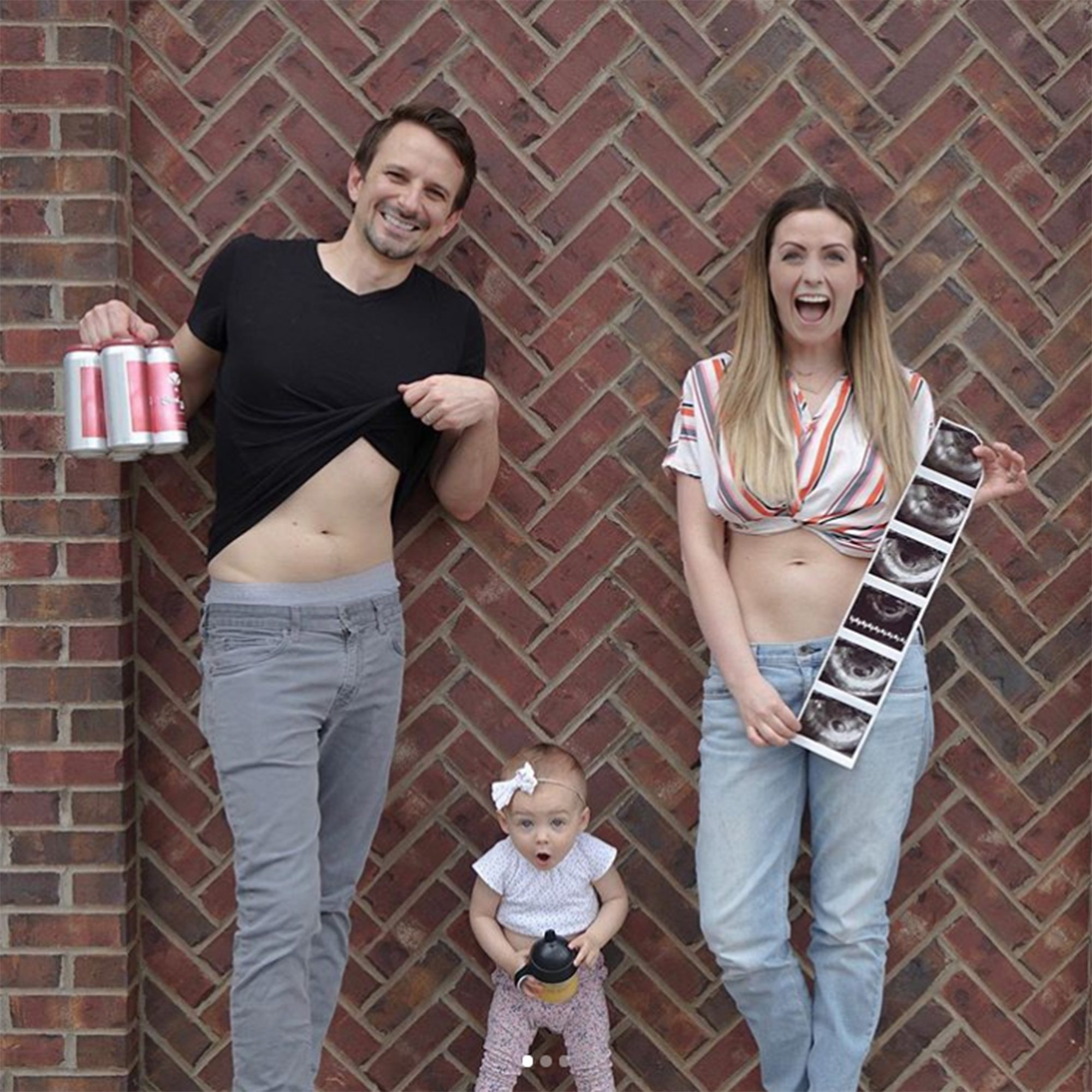 Carly Waddell pregnancy announcement