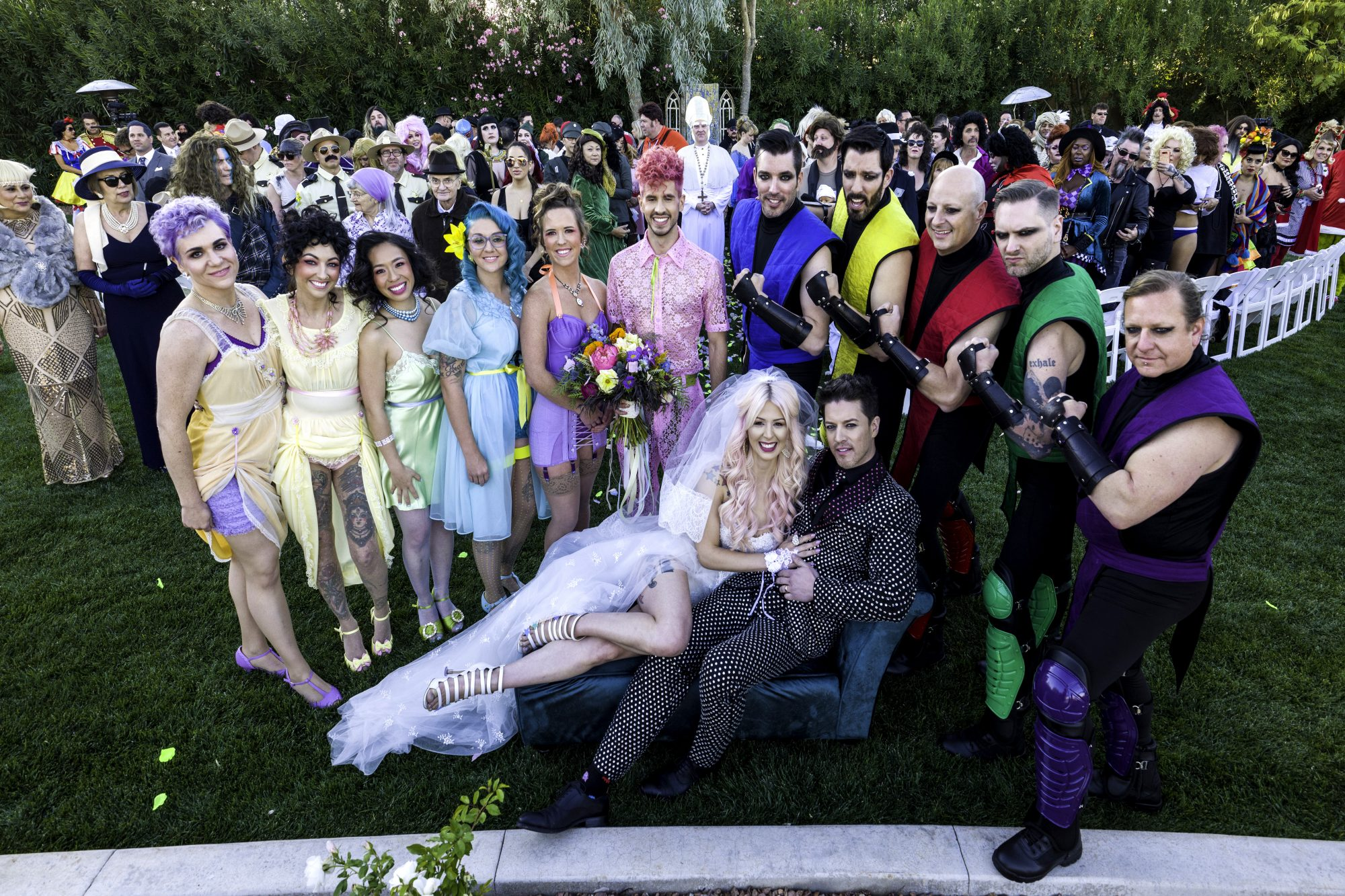 jd scott and annalee belle wedding group photo