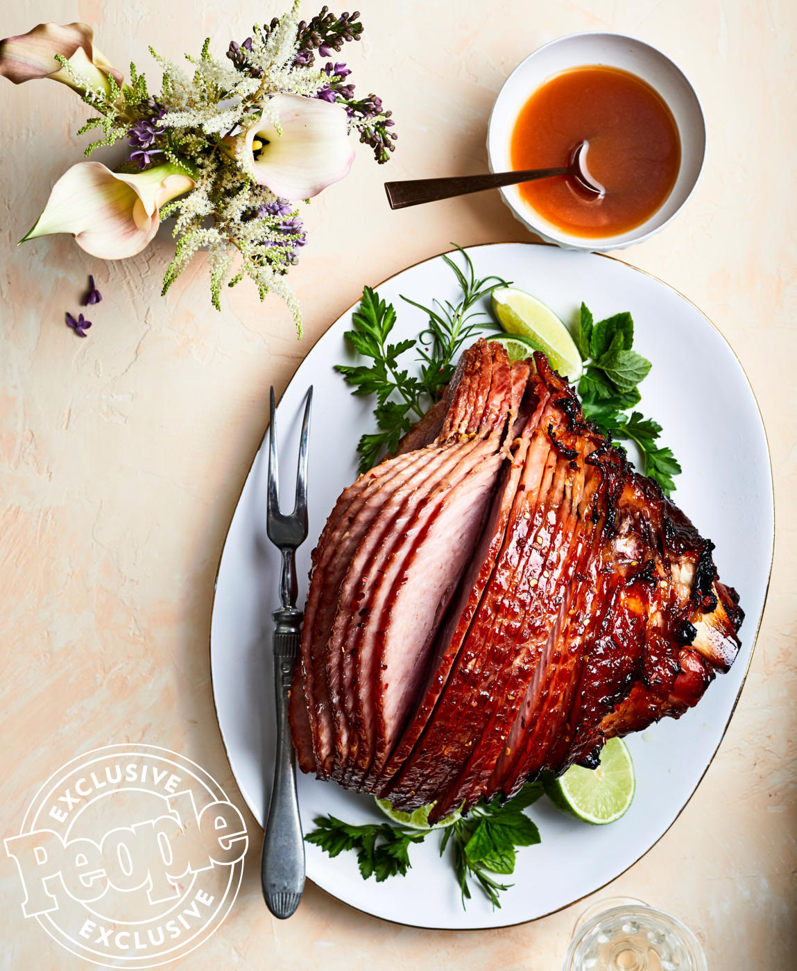 Geoffrey Zakarian's Honey-Ginger Glazed Ham