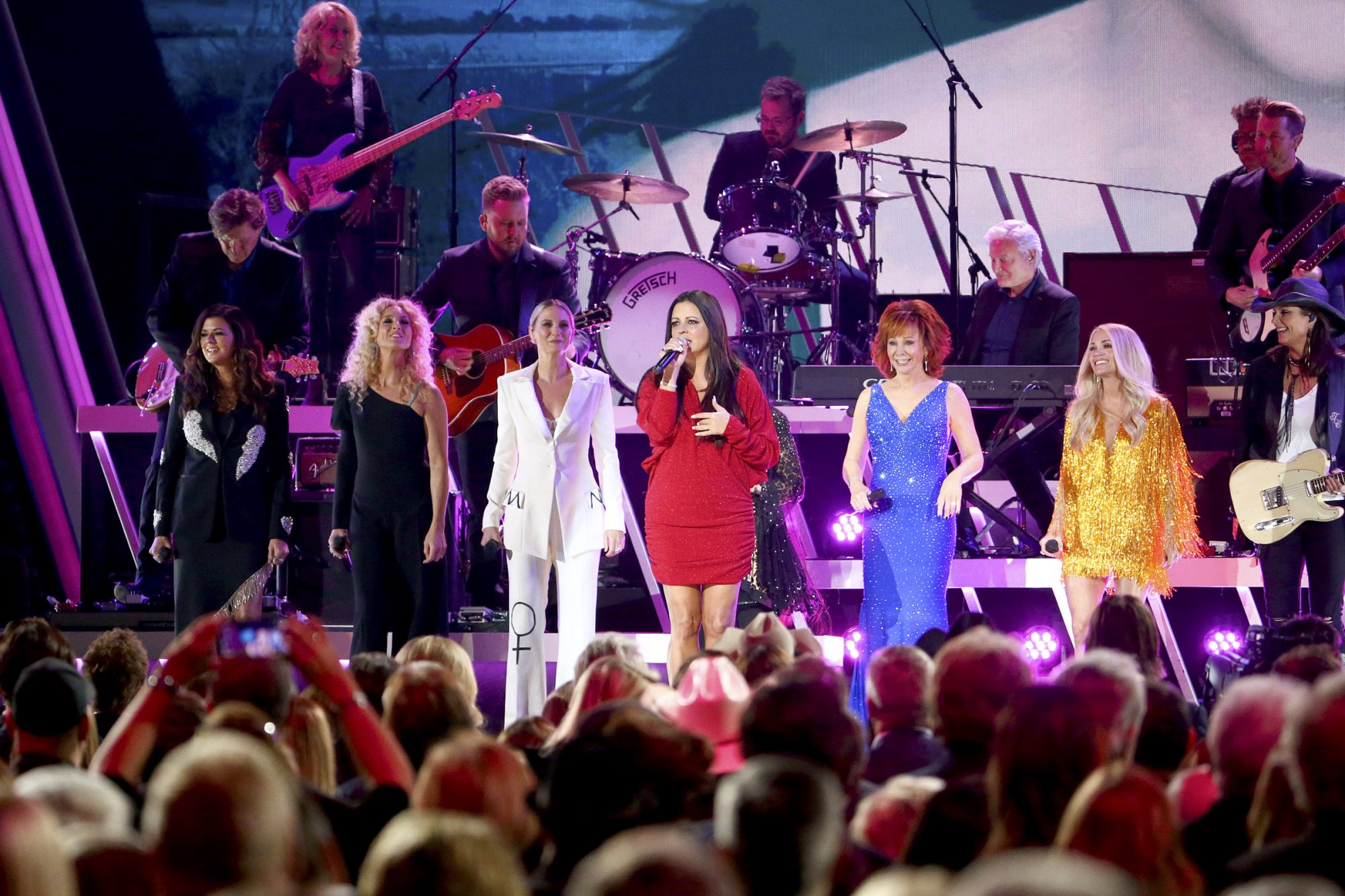 Karen Fairchild and Kimberly Schlapman of Little Big Town, Jennifer Nettles, Sara Evans, Reba McEntire and Carrie Underwood