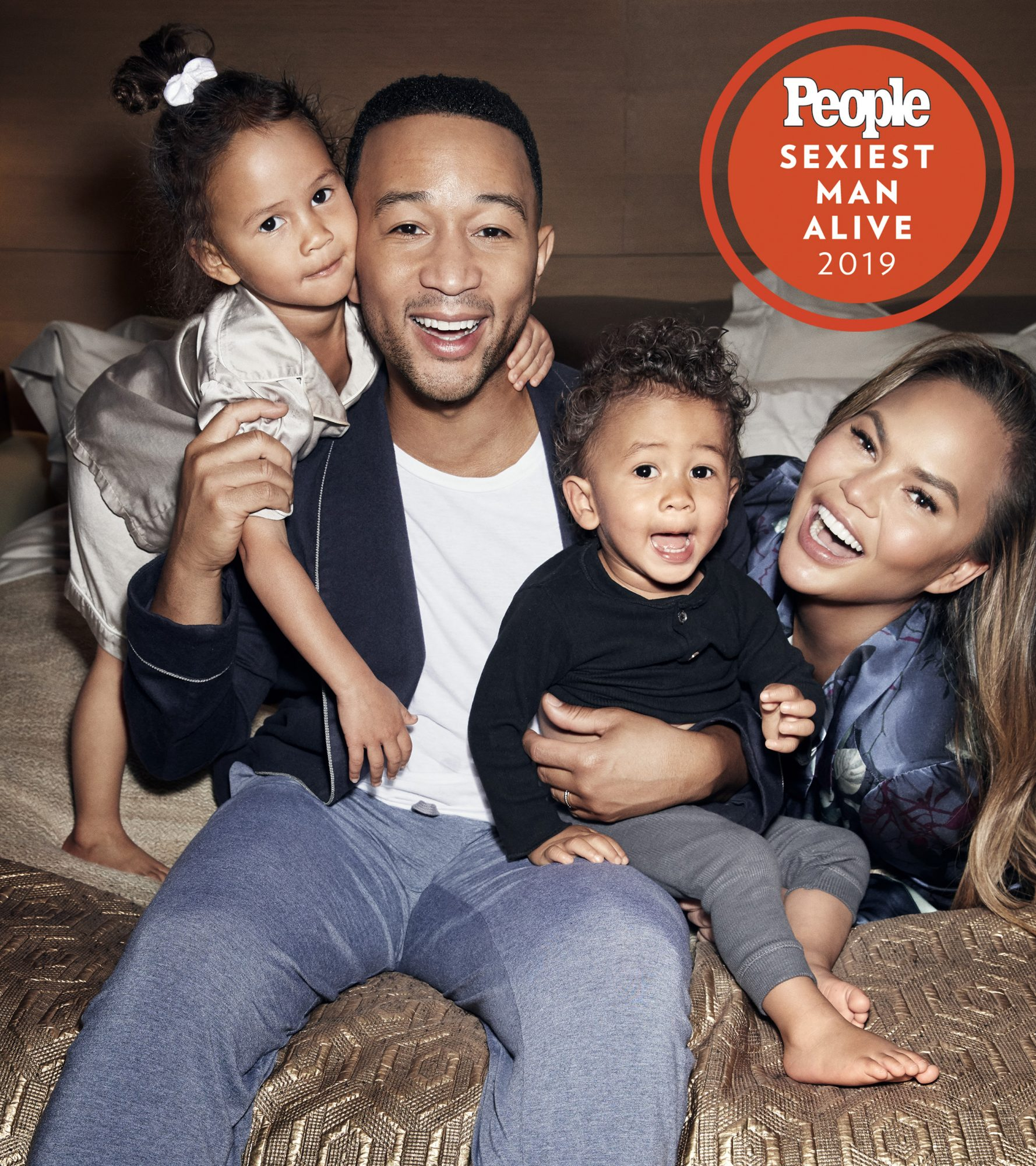 John legend Chrissy teigen luna teigen and miles teigen