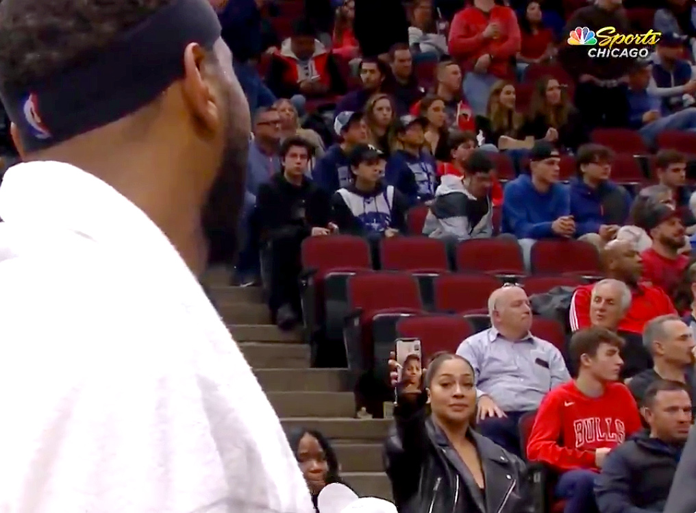 La La Anthony showing Carmelo Anthony the facetime of their son