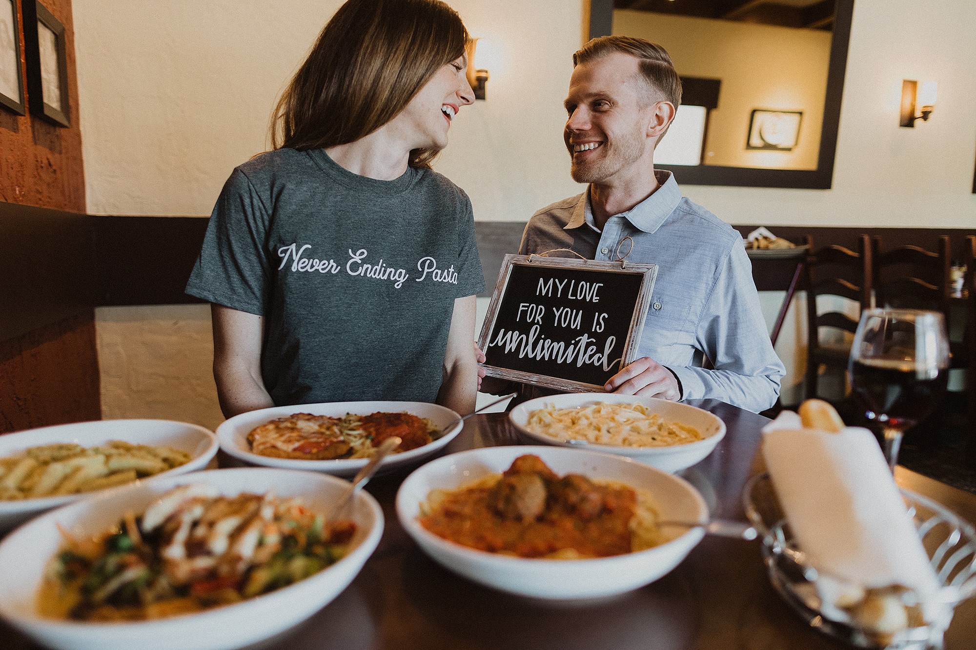 Couple Plans Olive Garden Wedding With Breadstick Bar People Com