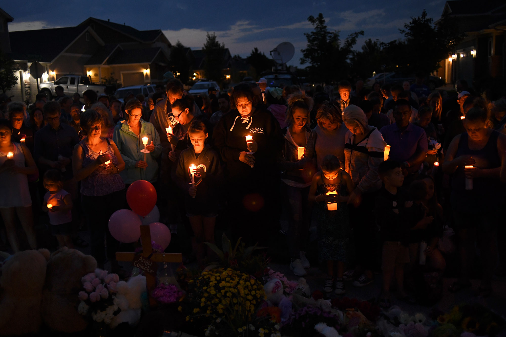 Candlelight vigil for Watts family