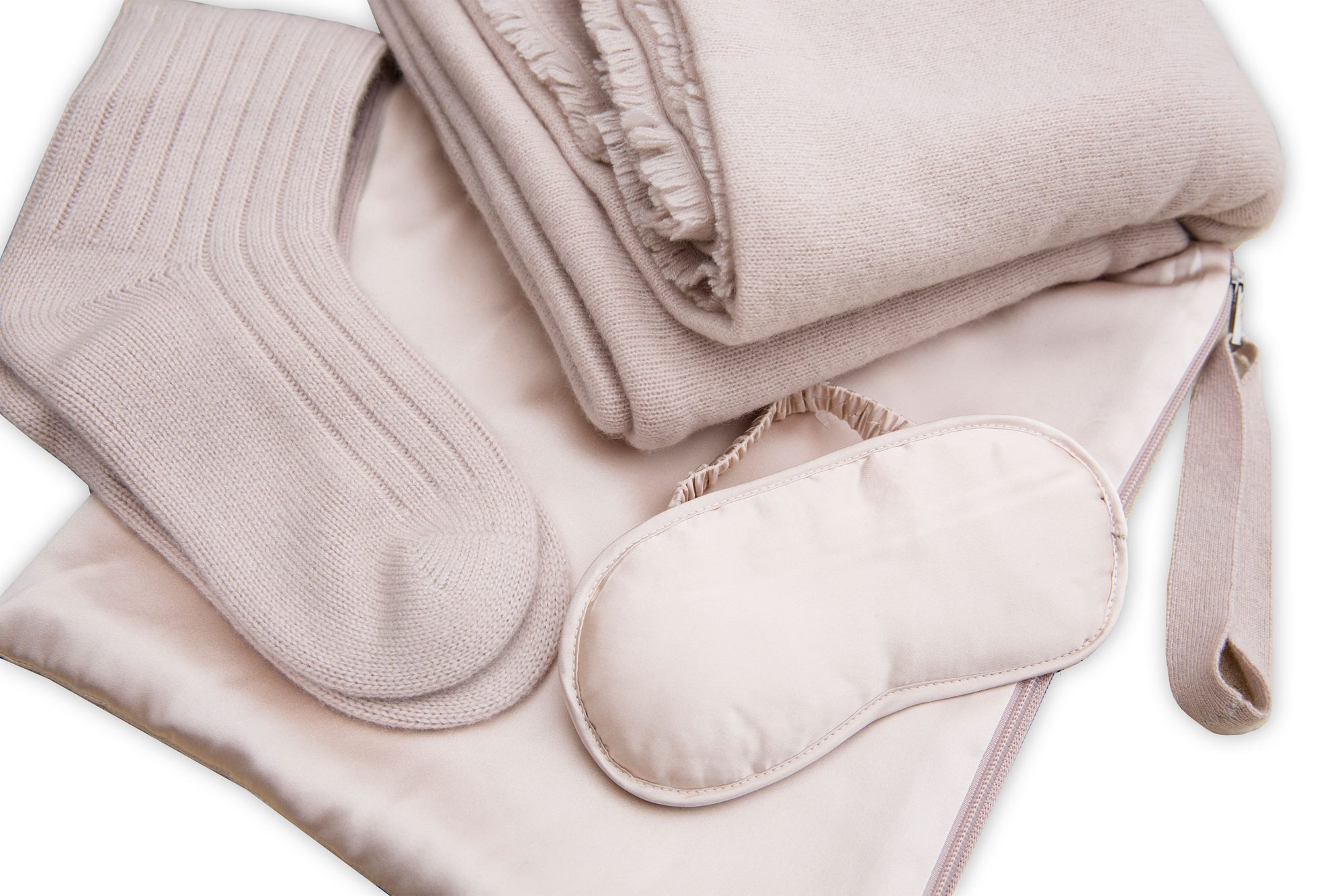 PEOPLE Editor's gift guide gallery (Naked Cashmere)