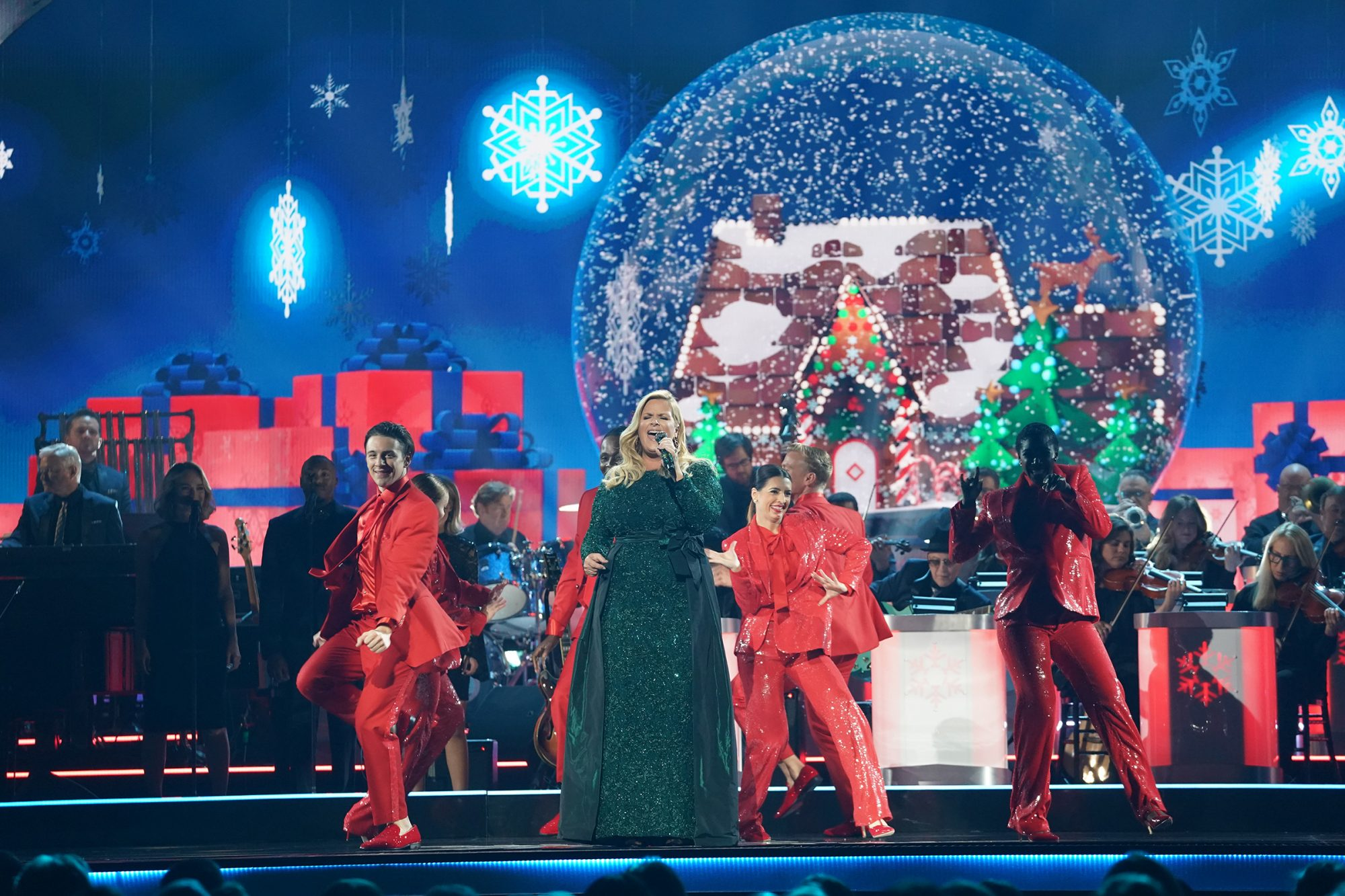 The Name Of The Big Band Orchestra On Cma Christmas 2020 Encore! CMA's Holiday Special Will Be Rebroadcast on Christmas Eve