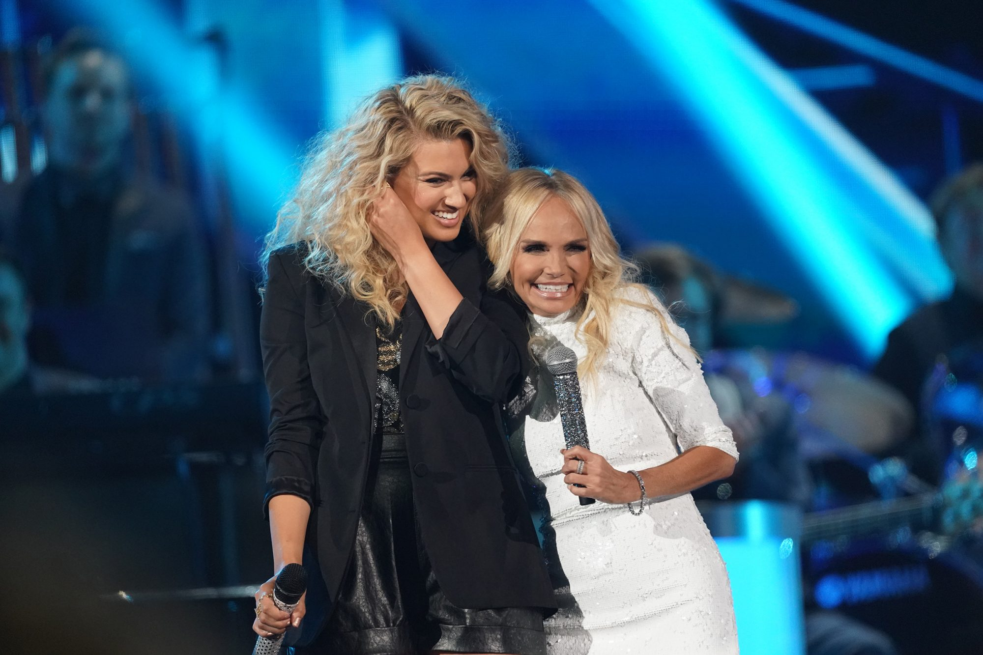 """Tori Kelly and Kristin Chenoweth perform """"Children Go Where I Send Thee"""" with Trisha Yearwood at the 2019 """"CMA Country Christmas"""" special filmed at Belmont's Curb Center in Nashville, Tennessee. """"CMA Country Christmas"""" will air on Tuesday, December 3 on ABC."""