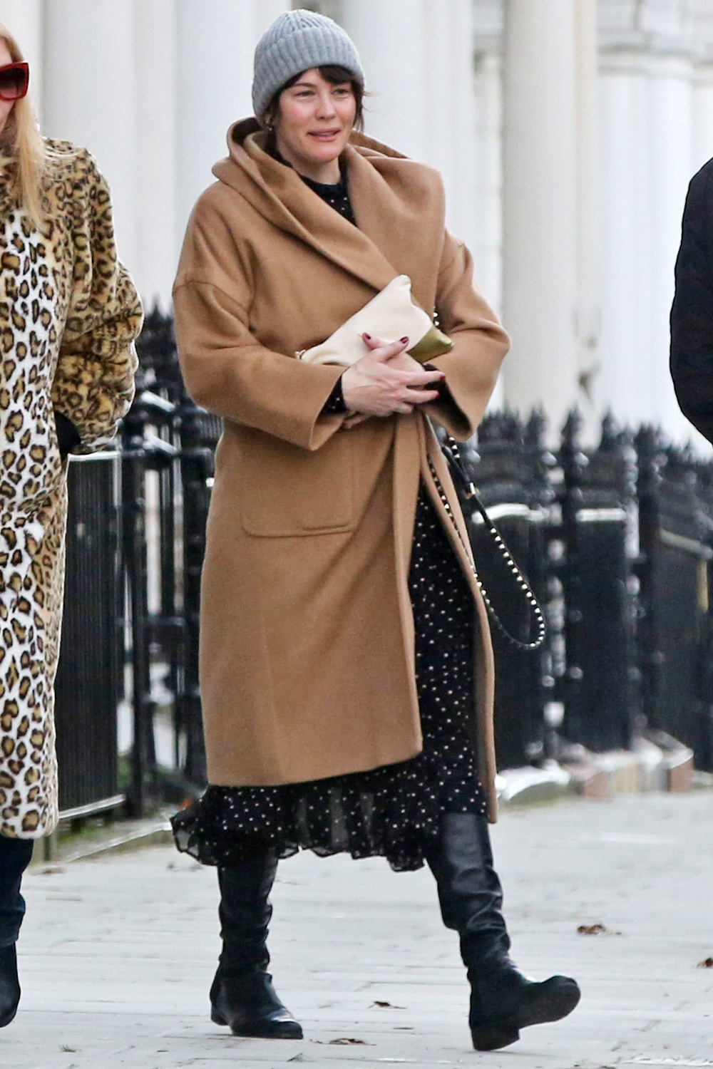 Liv Tyler wraps up warm with friends as she steps out in London. London, United Kingdom