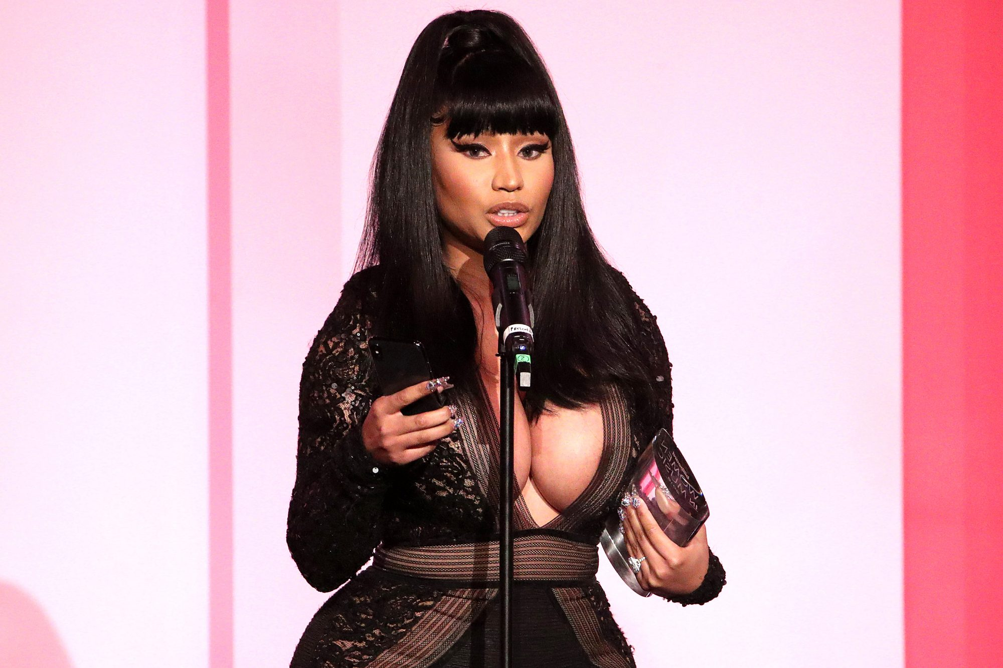 Nicki Minaj accepts the Gamechanger Award