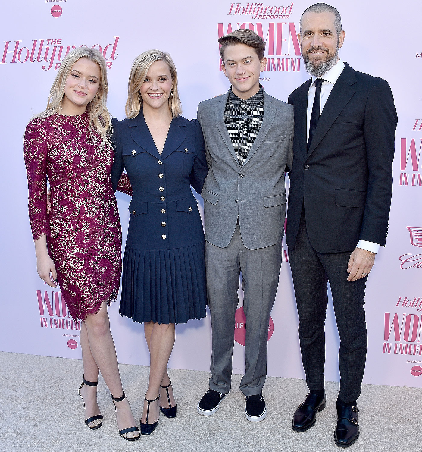Ava Elizabeth Phillippe, Reese Witherspoon, Deacon Reese Phillippe, and Jim Toth