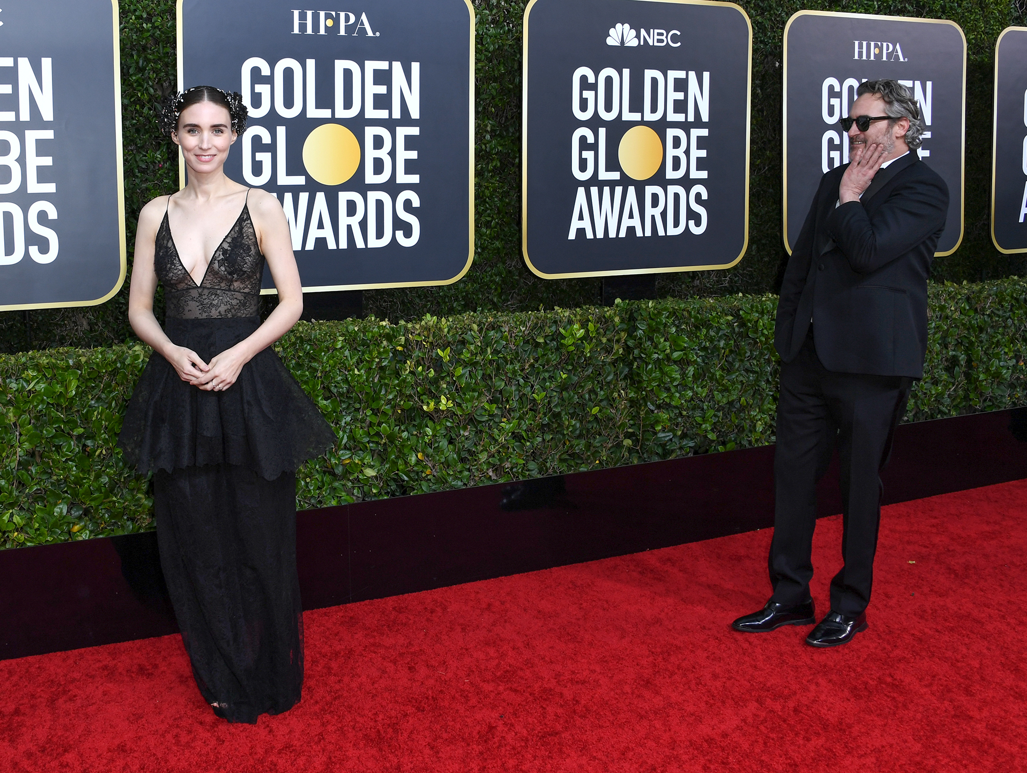Rooney Mara (L) and Joaquin Phoenix