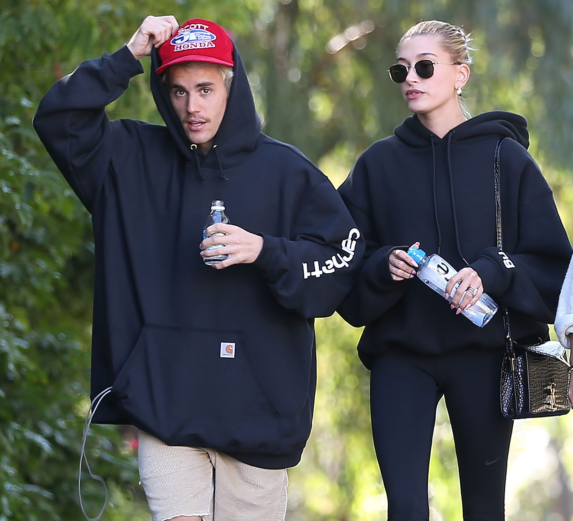 Canadian Singer Justin Bieber And Hailey Rhode Baldwin Among Friends Hiking In Los Angeles