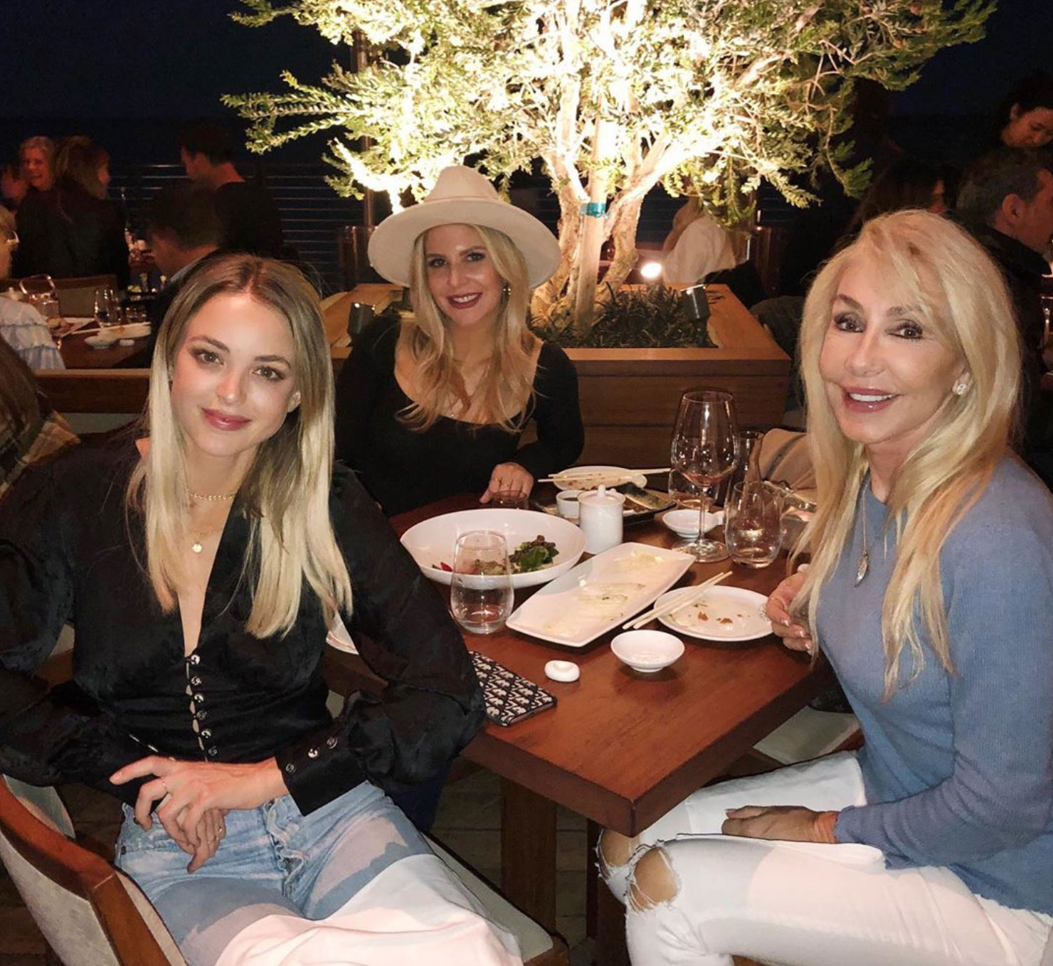kaitlynn Carter Hangs out with Ex Brody Jenner and His Mom Linda Thompson
