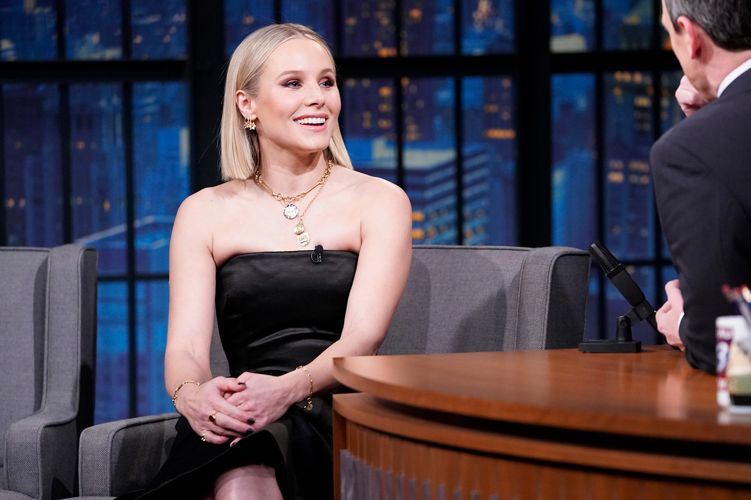 Kristen Bell during an interview with host Seth Meyers on January 29, 2020