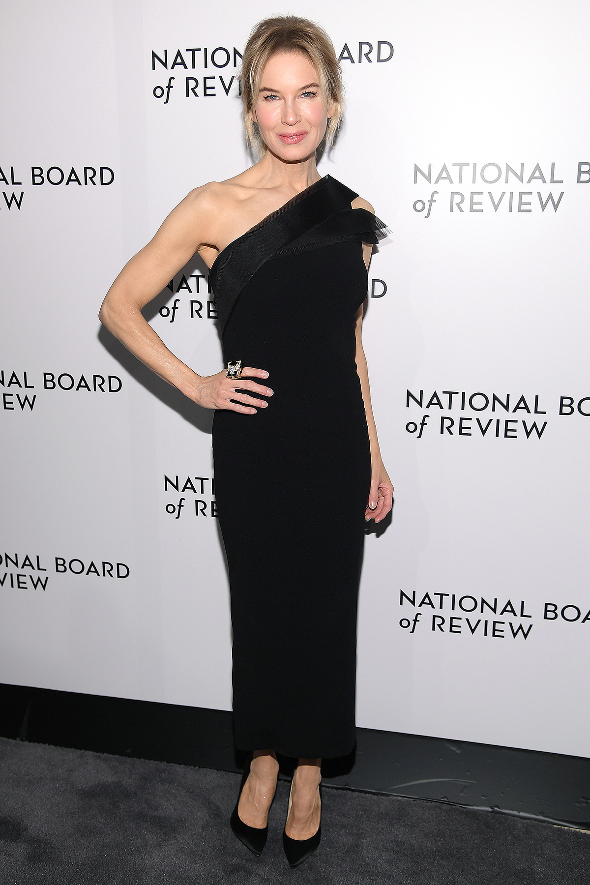 Renée Zellweger attends The National Board of Review Annual Awards Gala at Cipriani 42nd Street on January 08, 2020 in New York City.