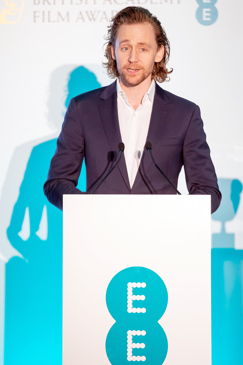 Tom Hiddleston announces the five nominees for the EE Rising Star Award ahead of the 2020 EE British Academy Film Awards: Awkwafina, Jack Lowden, Kaitlyn Dever, Kelvin Harrison Jr and Micheal Ward. Voting is now open at ee.co.uk/BAFTA BAFTA EE Rising Star Nominee Announcement photocall, The Savoy Hotel, London, UK - 06 Jan 2020