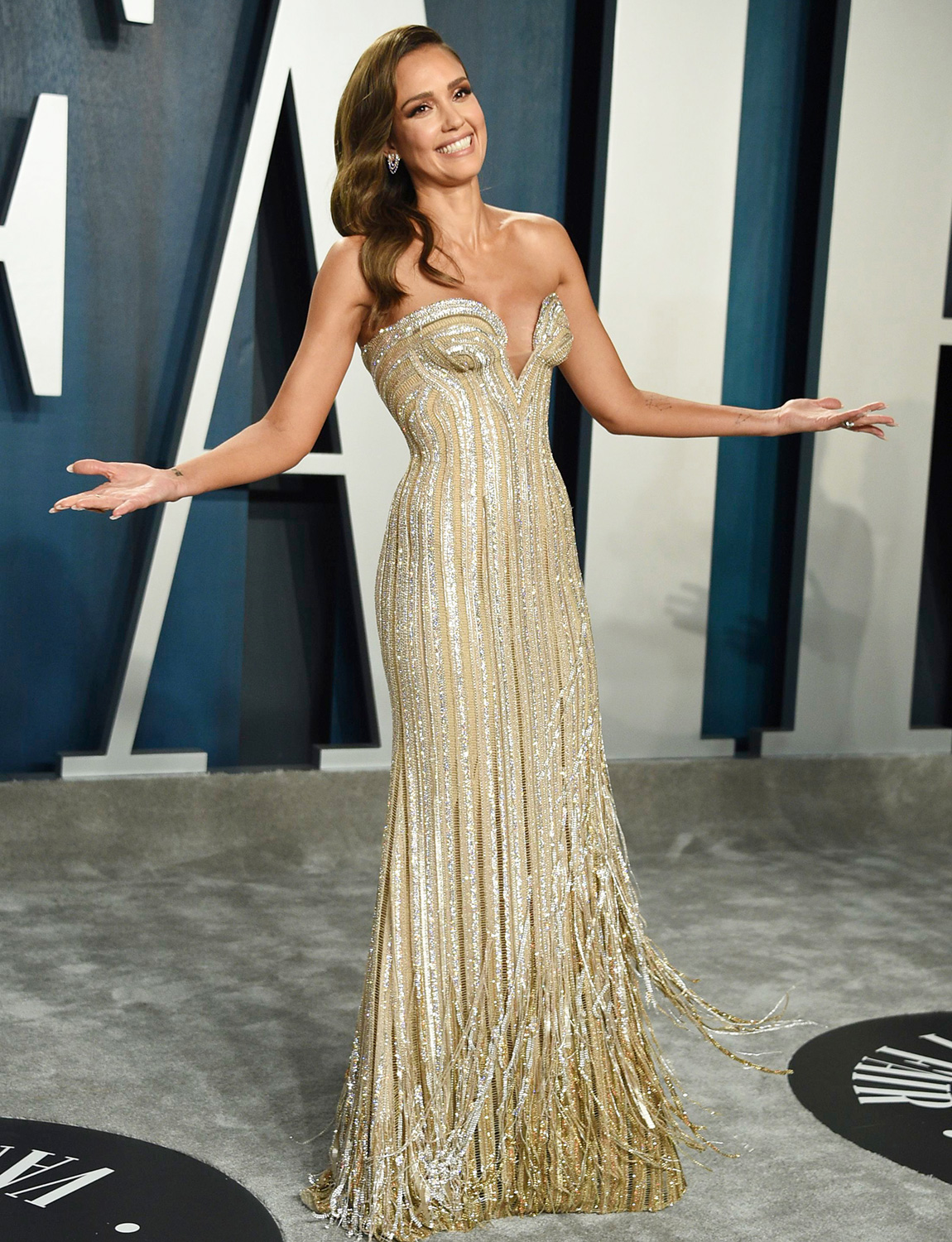 Jessica Alba arrives at the Vanity Fair Oscar Party, in Beverly Hills, Calif