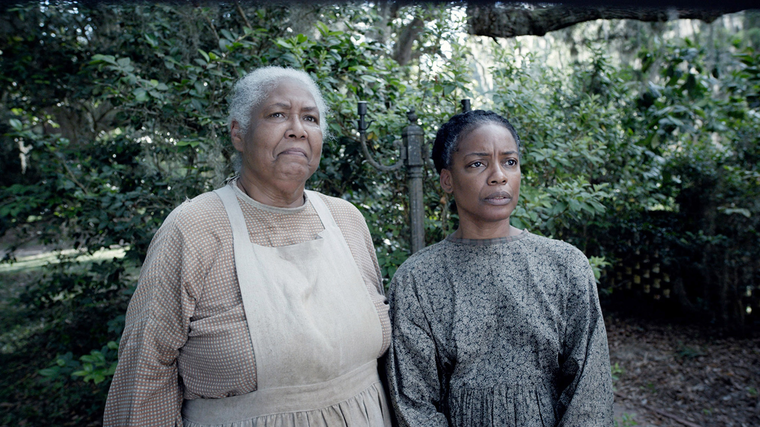 THE BIRTH OF A NATION, from left: Esther Scott, Aunjanue Ellis, 2016. TM and copyright ©Fox Searchlight Pictures. All rights reserved./Courtesy Everett collection.
