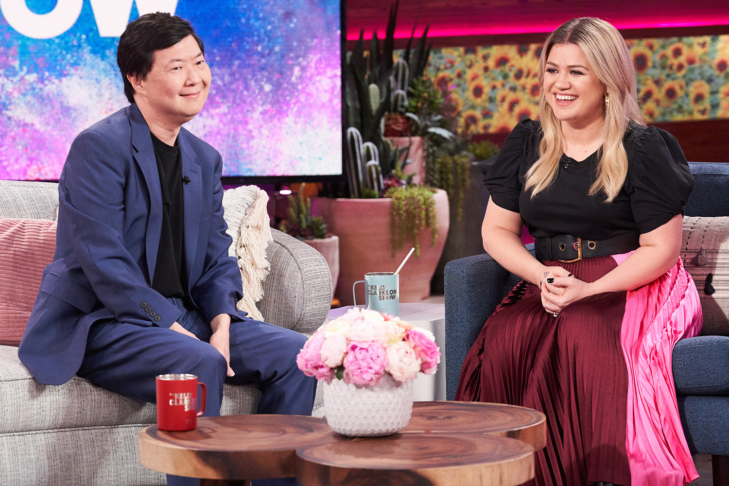 THE KELLY CLARKSON SHOW -- Episode 3112 -- Pictured: (l-r) Ken Jeong, Kelly Clarkson