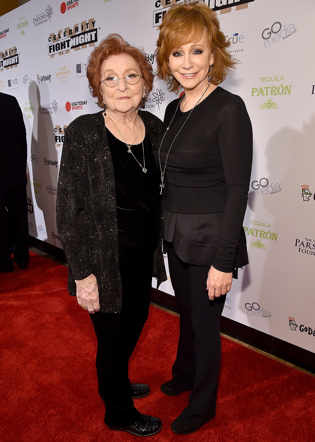 Reba McEntire (L) and Jacqueline Smith