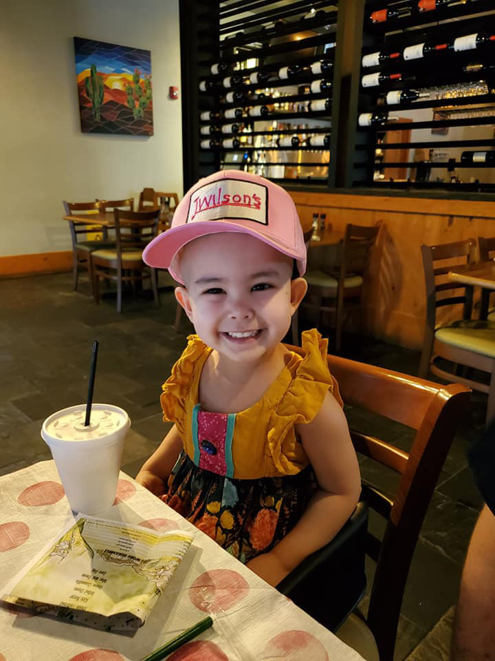 Restaurant opens early for 3-year-old customer with leukemia