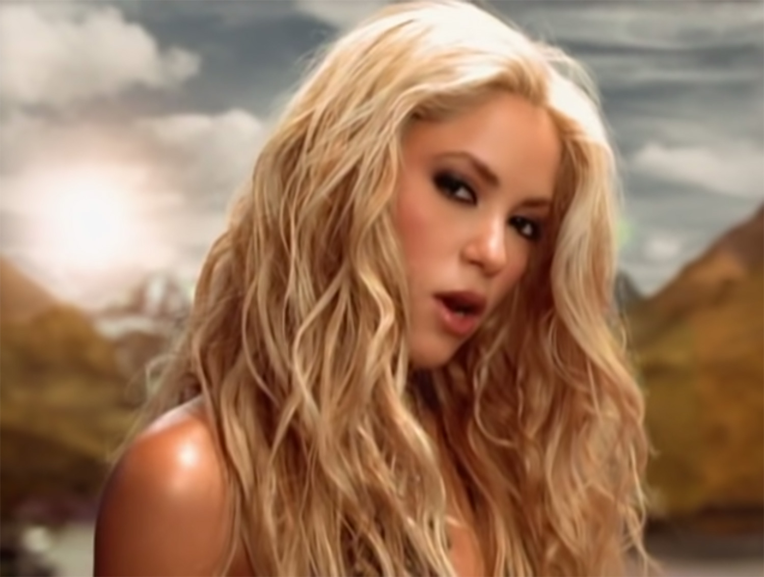 """Shakira's Hit """"Whenever, Wherever"""" Reaches #1 on iTunes Following Super Bowl Performance"""