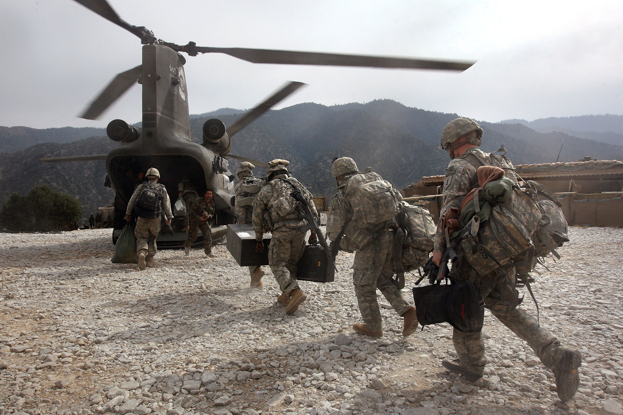 U.S. soldiers board an Army Chinook
