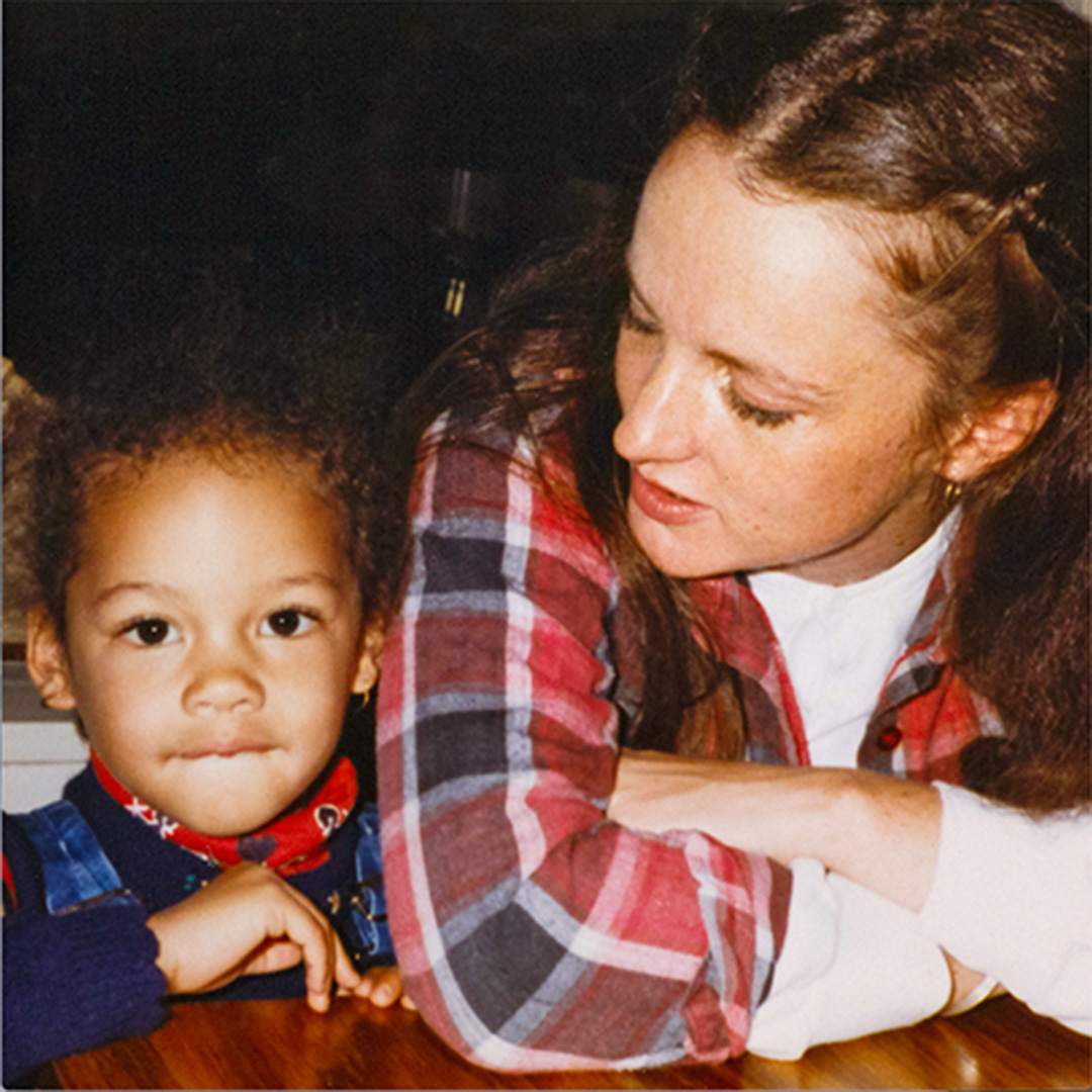 Alicia Keys with her mother Terria Joseph