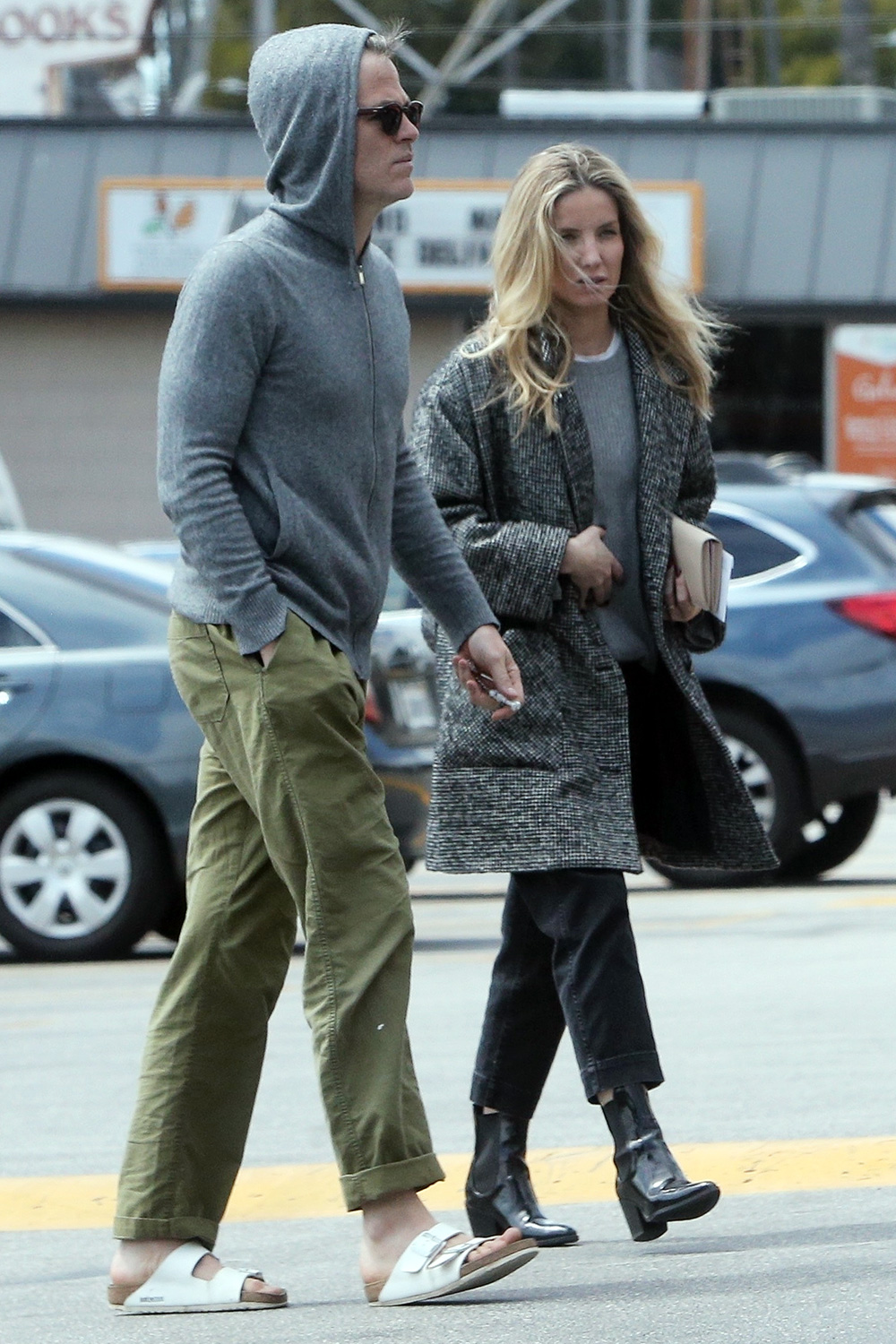 Chris Pine and girlfriend Annabelle Wallis stock up during quarantine