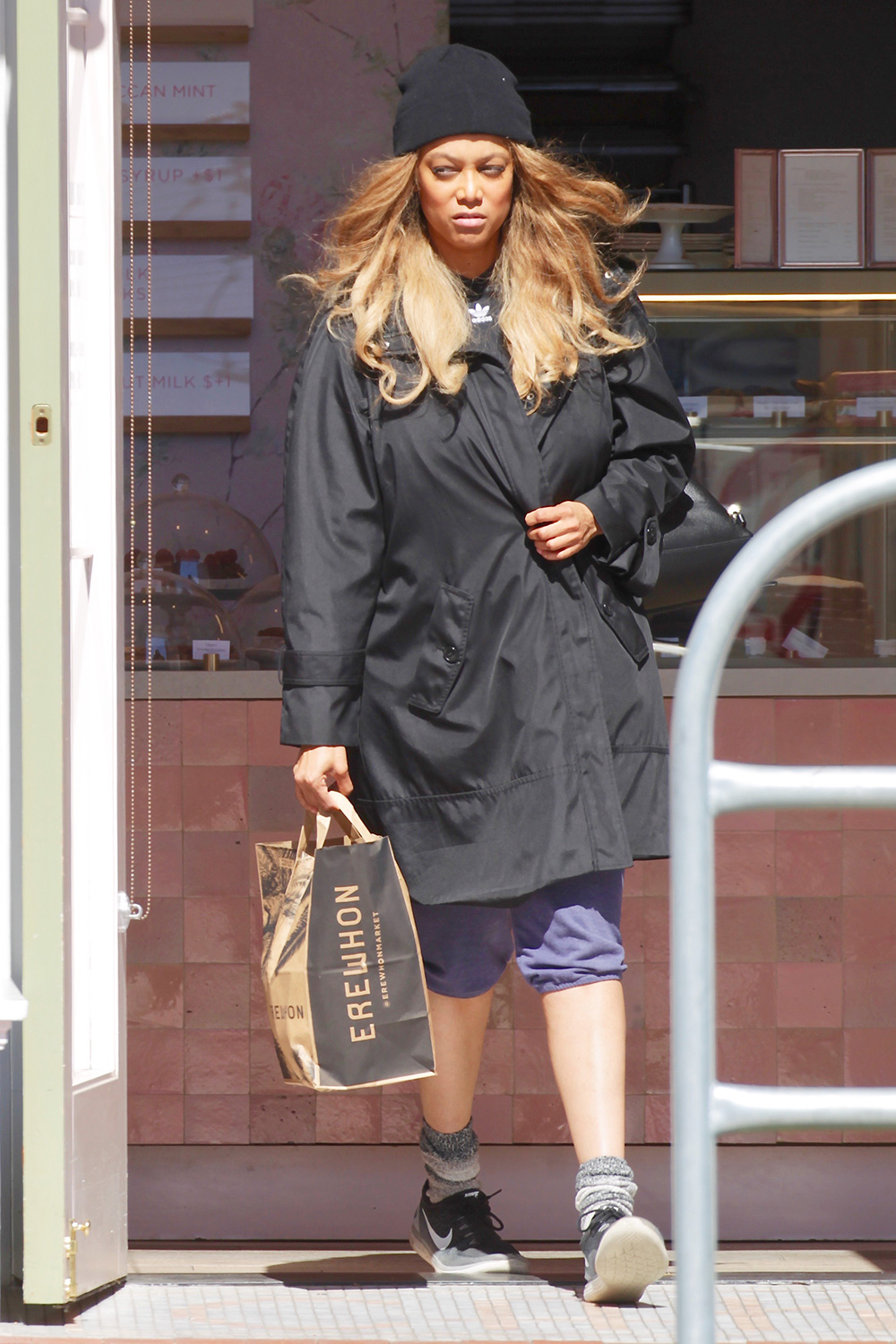 Supermodel Tyra Banks steps out on a grocery run with boyfriend Louis Belanger-Martin in Los Angeles