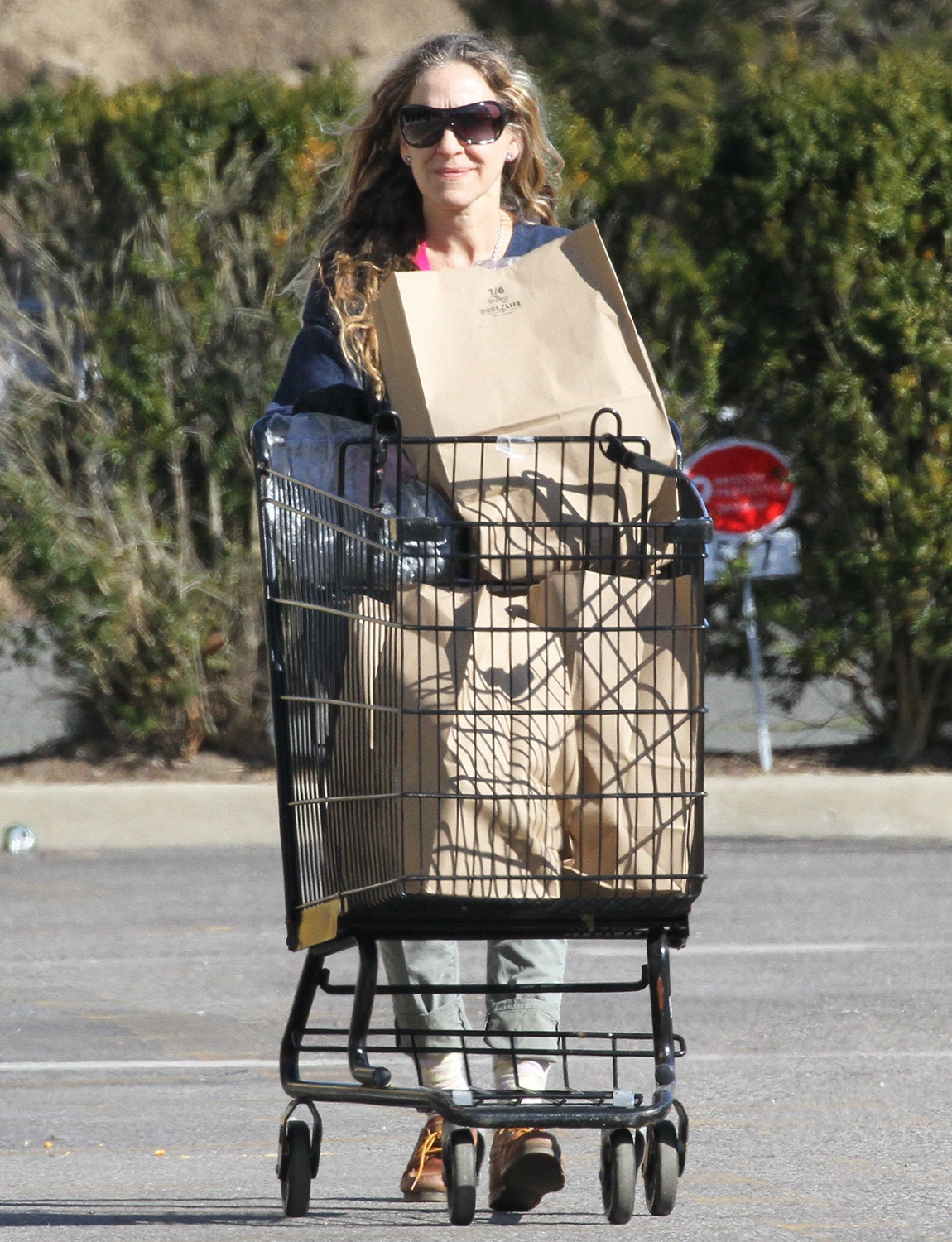 Sarah Jessica Parker Shopping In The Hampton's 2 Days After Her 55th Birthday