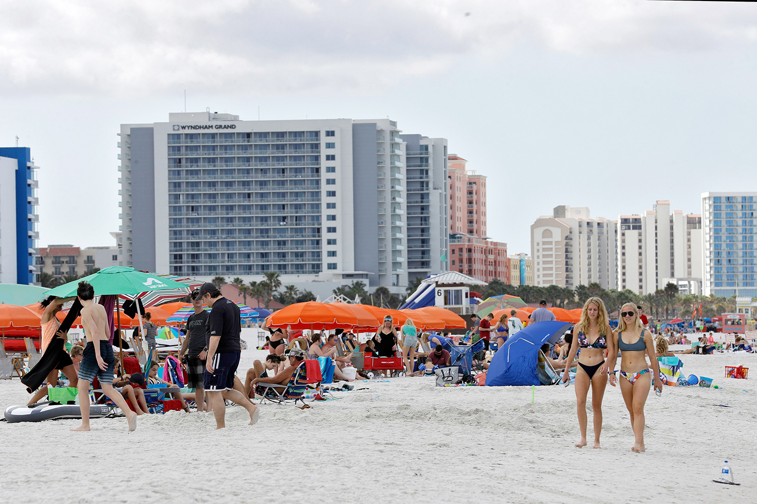 Some Florida Beaches Reopen After Coronavirus Shutdown | PEOPLE.com
