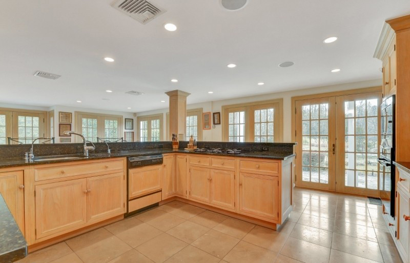 300 yr old house in NJ for sale