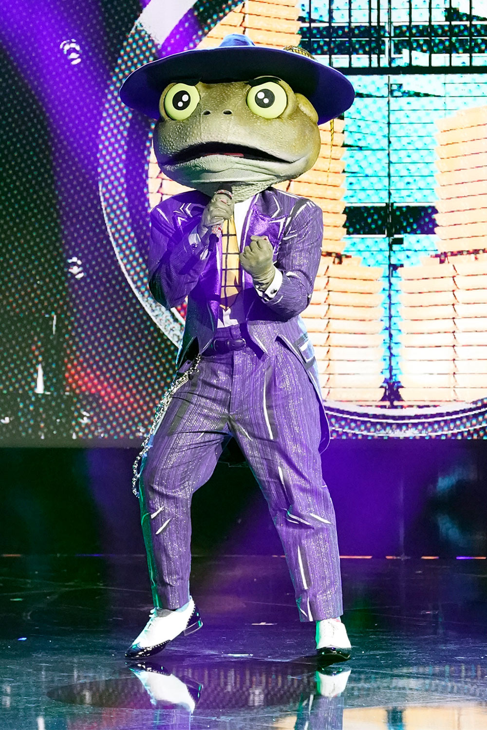 THE MASKED SINGER: The Frog