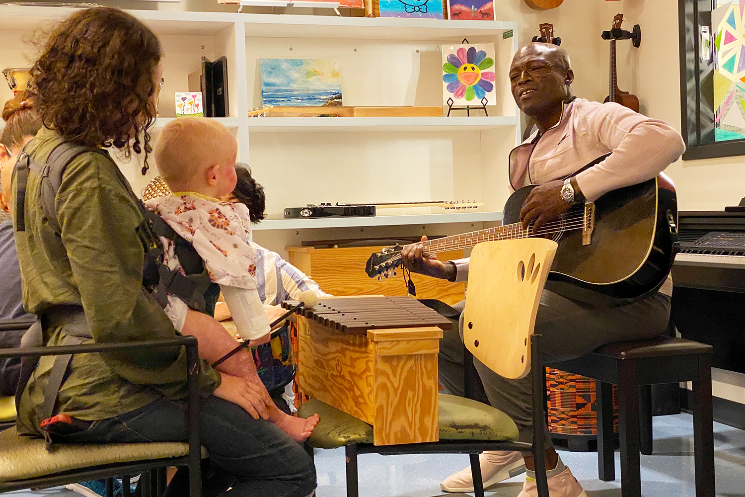 On March 3rd, four time Grammy Award-winning singer-songwriter and musician, Seal, entertained child patients and their families with a performance at Children's Hospital Los Angeles as part of their month-long Make March Matter Campaign.