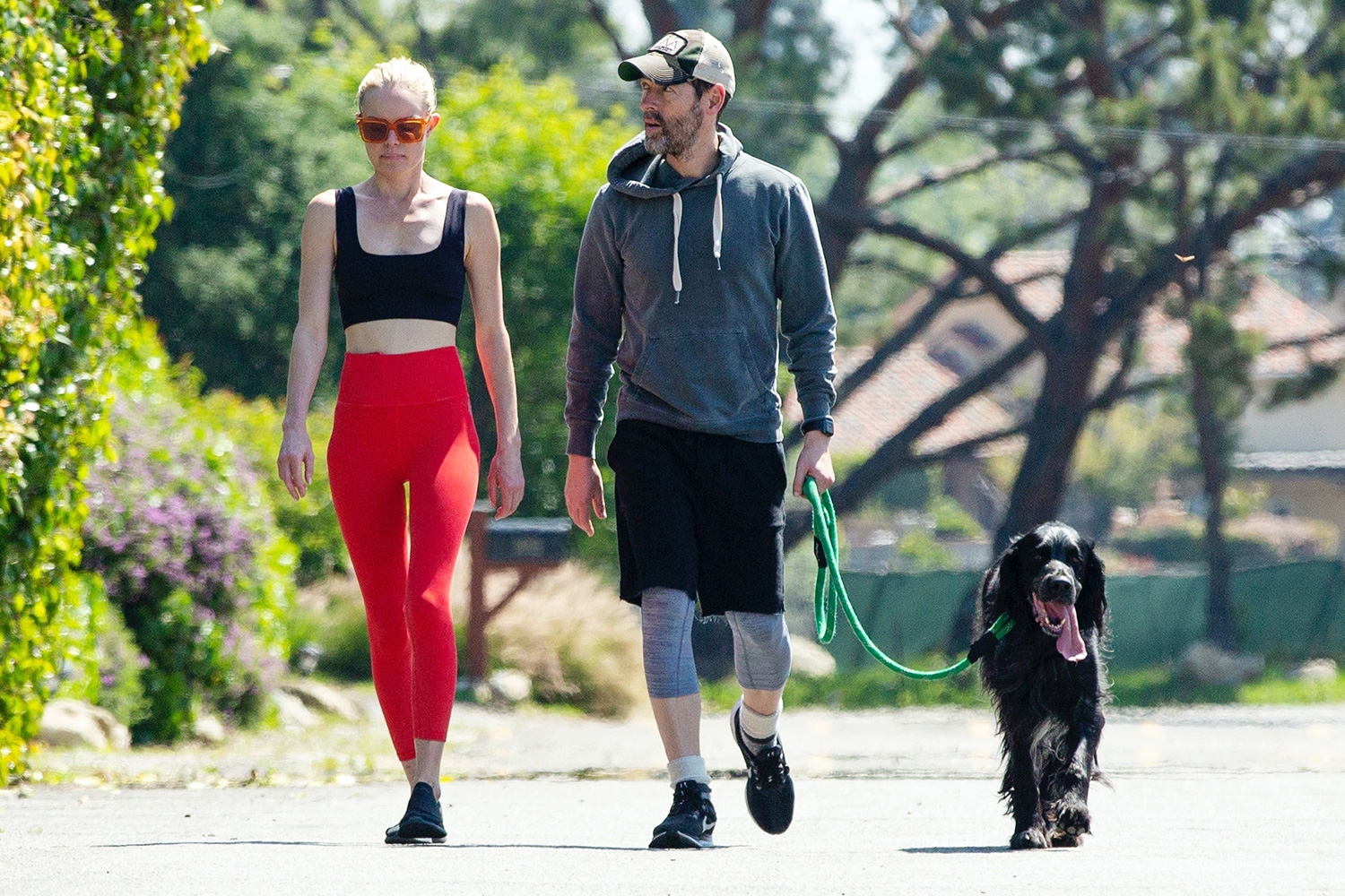 Kate Bossworth and Michael Polish take an afternoon walk with their dog