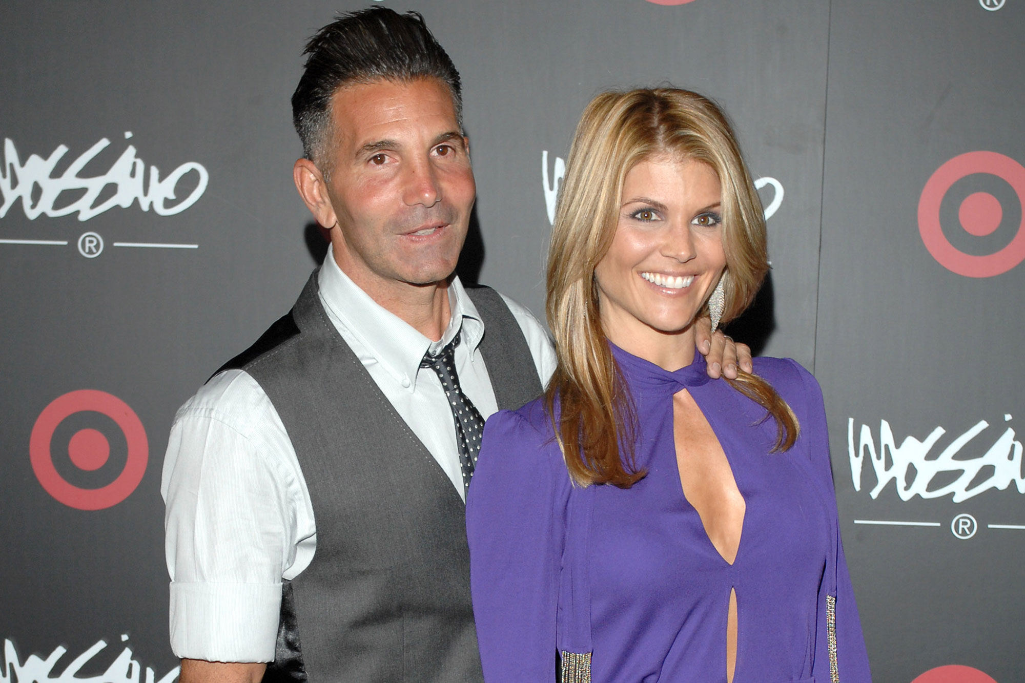 Lori Loughlin Gets 2 Months in College Admissions Scandal