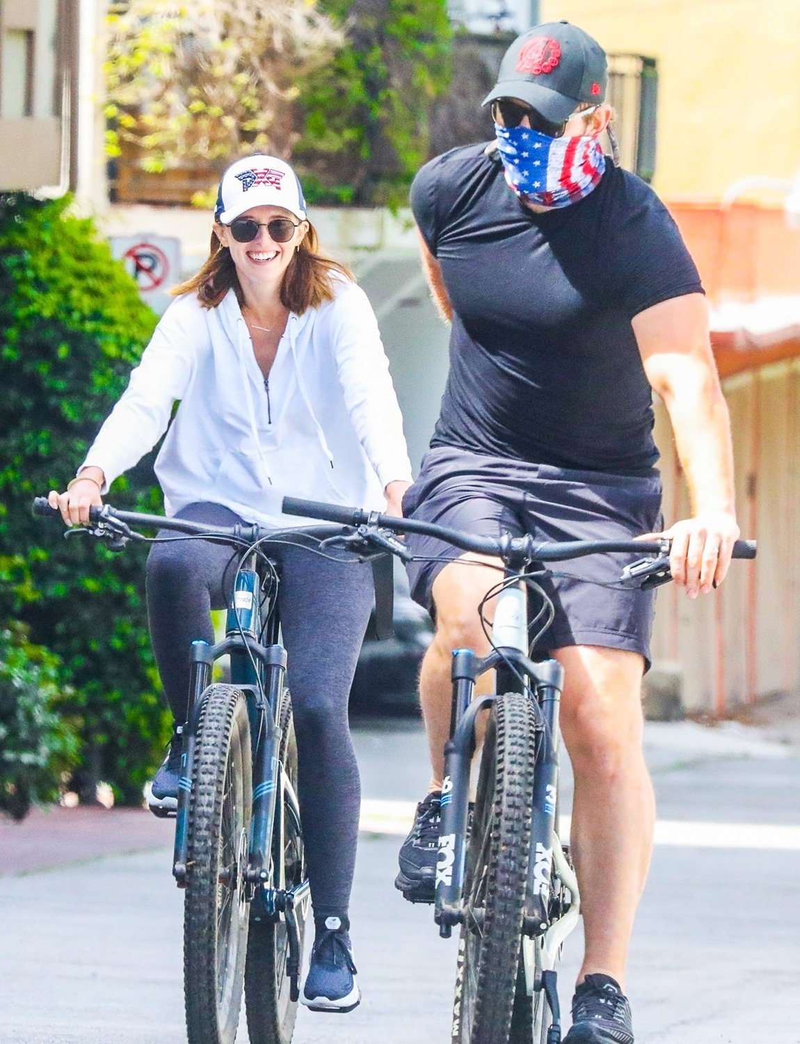 Pregnant Katherine Schwarzenegger goes on bike ride with Chris Pratt and dad Arnold