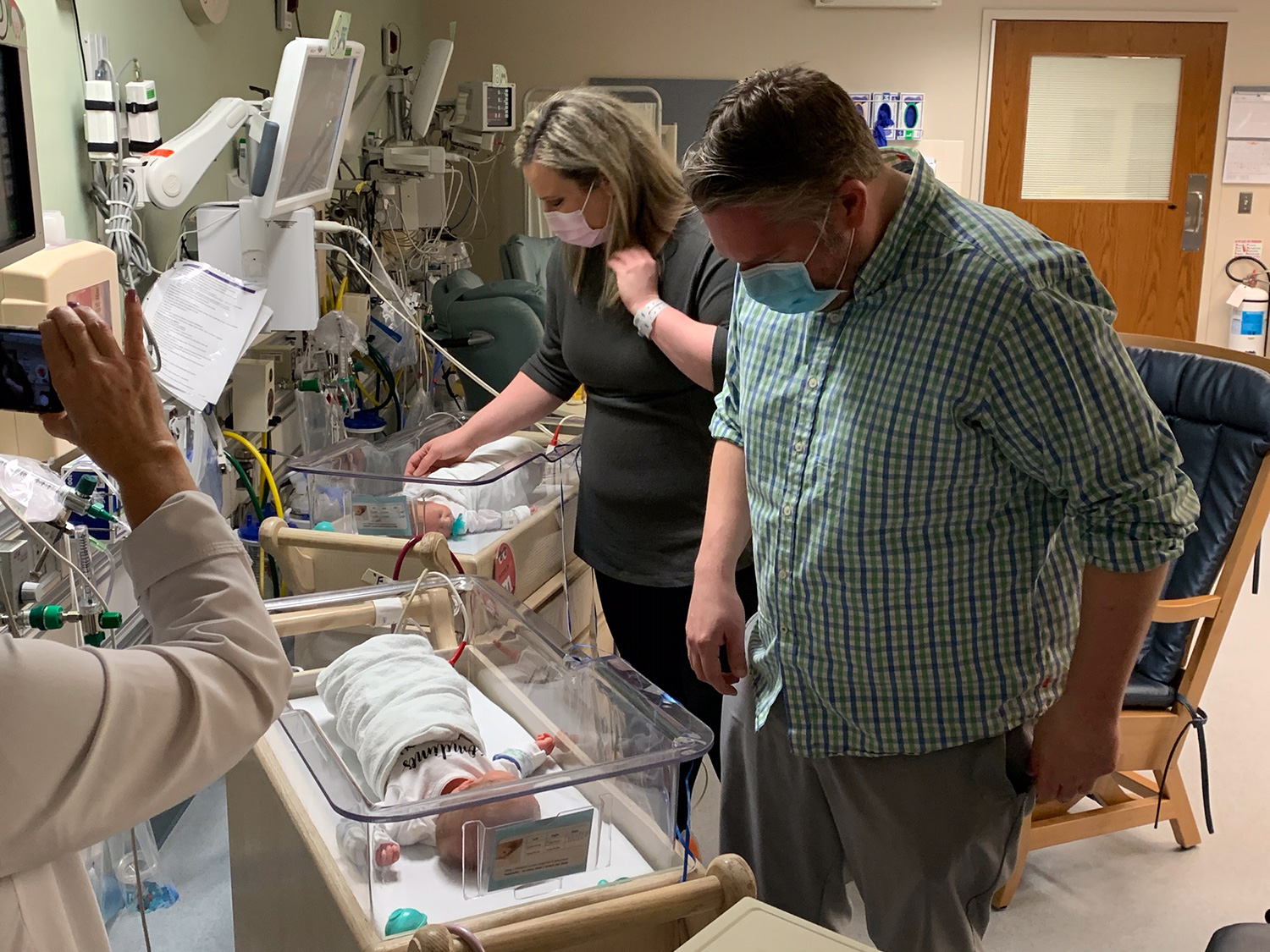 Parents who Both Had Coronavirus Hold Twin Sons for First Time Nearly 3 Weeks After Birth