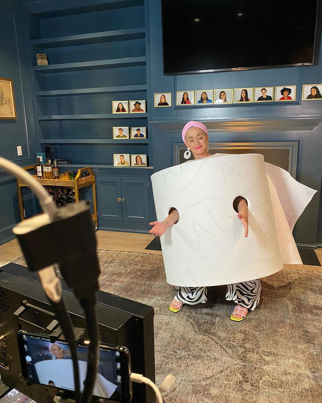 Katy Perry Doubles Down on Crazy Costumes, Wears Toilet Paper Roll on American Idol