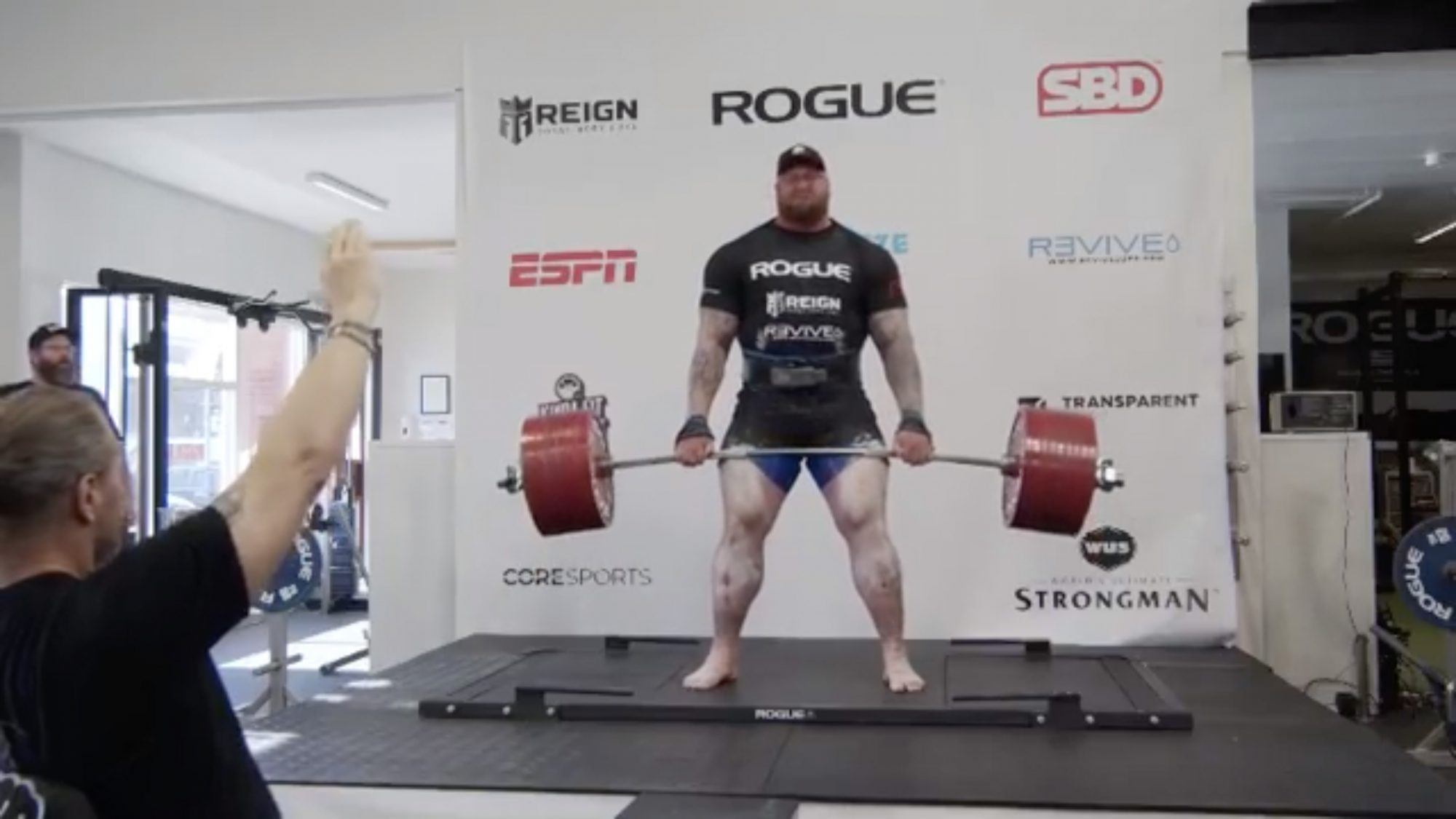 'The Mountain' From 'Game of Thrones' Breaks Insane 1,100-Pound Deadlifting Record