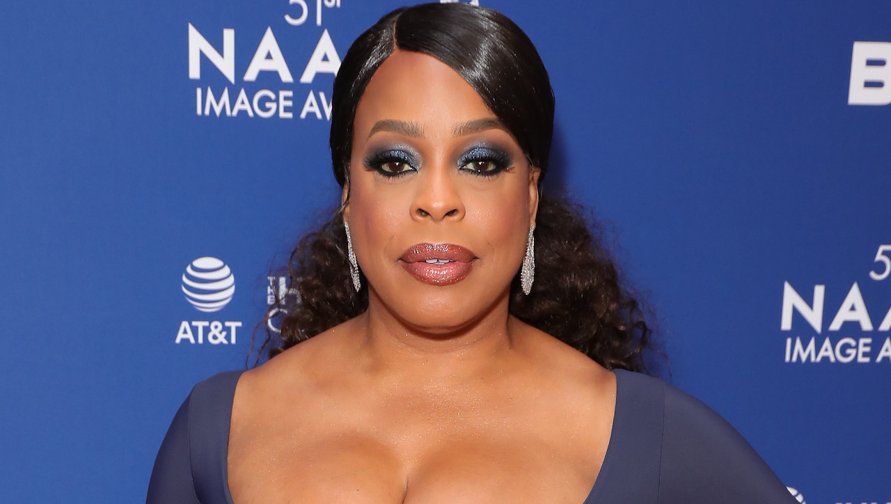 Niecy Nash Talks 'Reno 911!', 'Never Have I Ever' & Hosting the Lifetime Movie Marathon Weekend