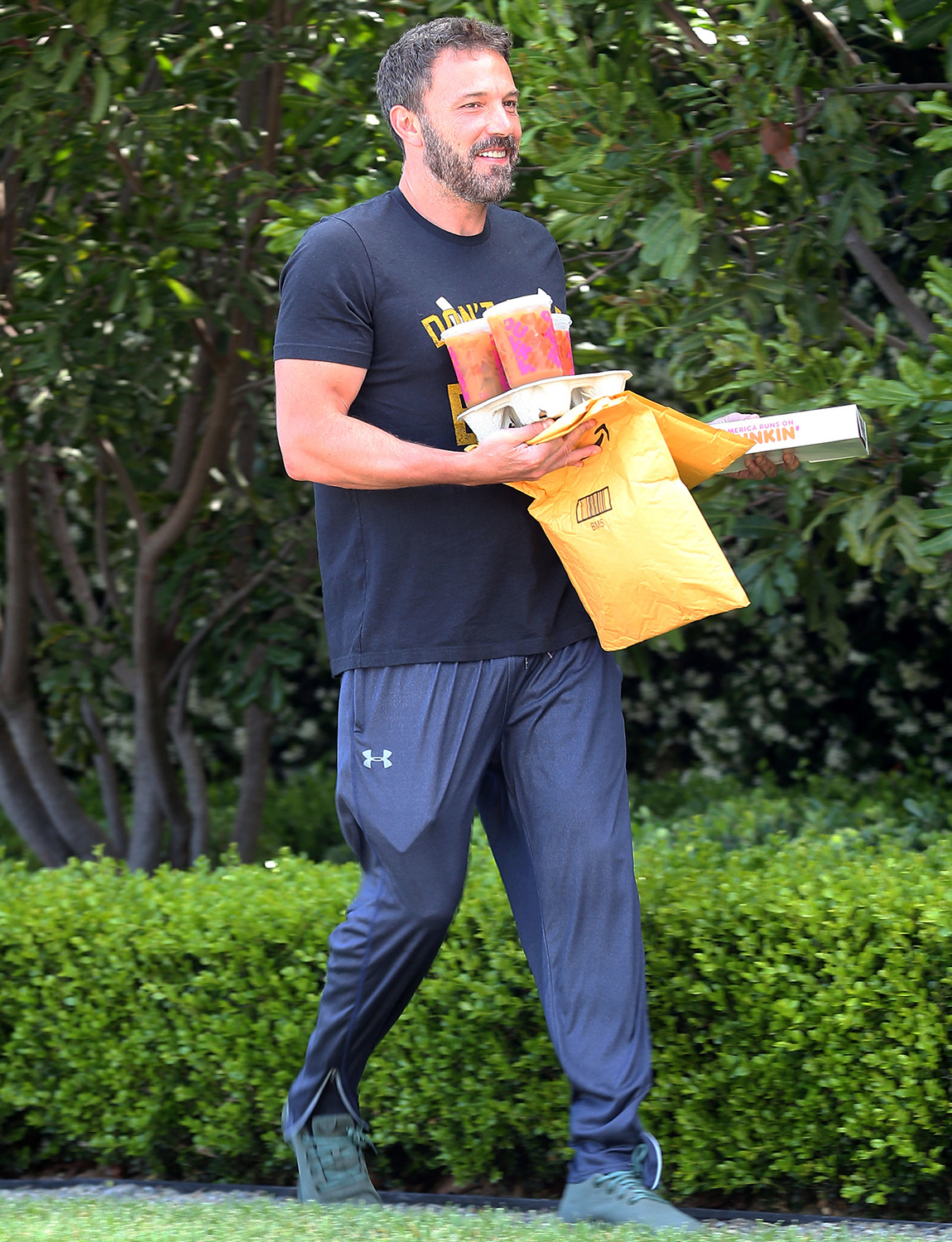 Ben Affleck get breakfast delivered during Quarantine