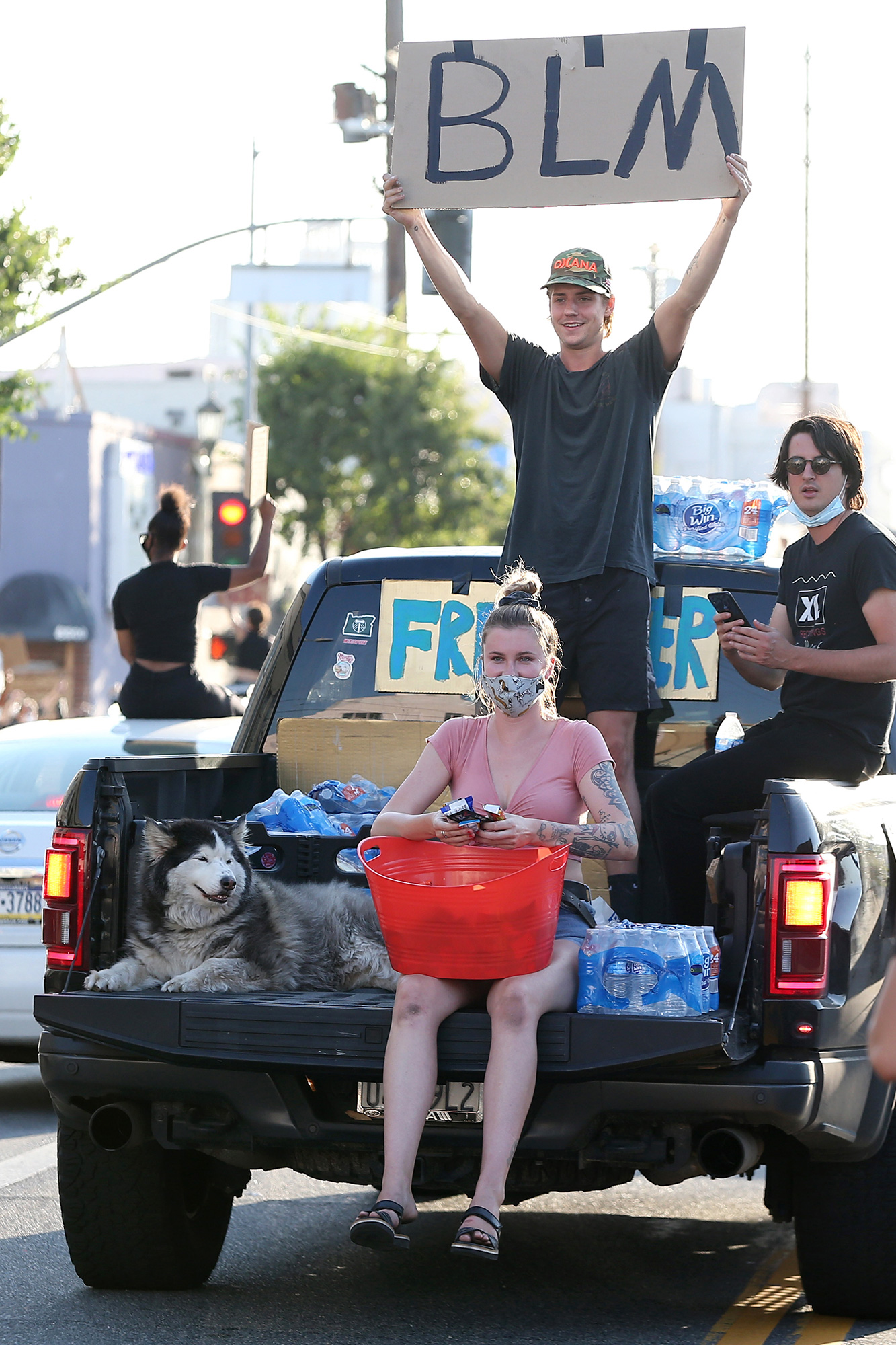 Ireland Baldwin hands out free water and snacks to Black Lives Matter protesters in Los Angeles