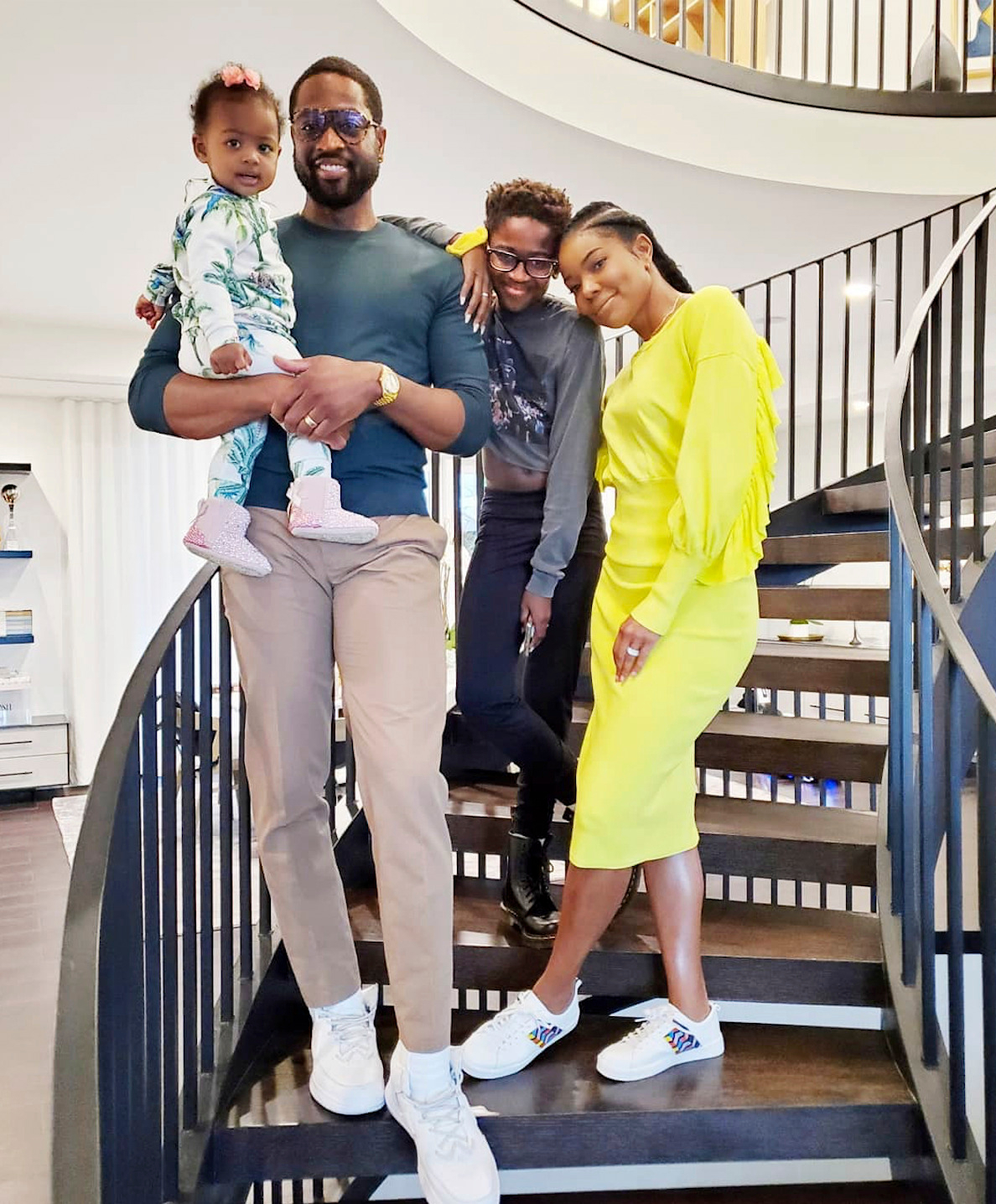 gabrielle union with family