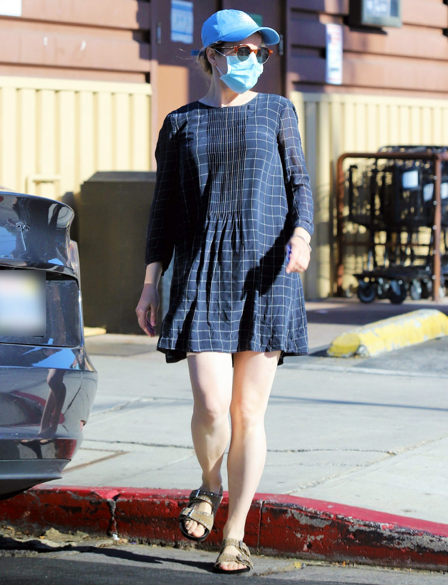Rachel McAdams Heads to a Grocery Store for Some Eggs in Los Angeles.