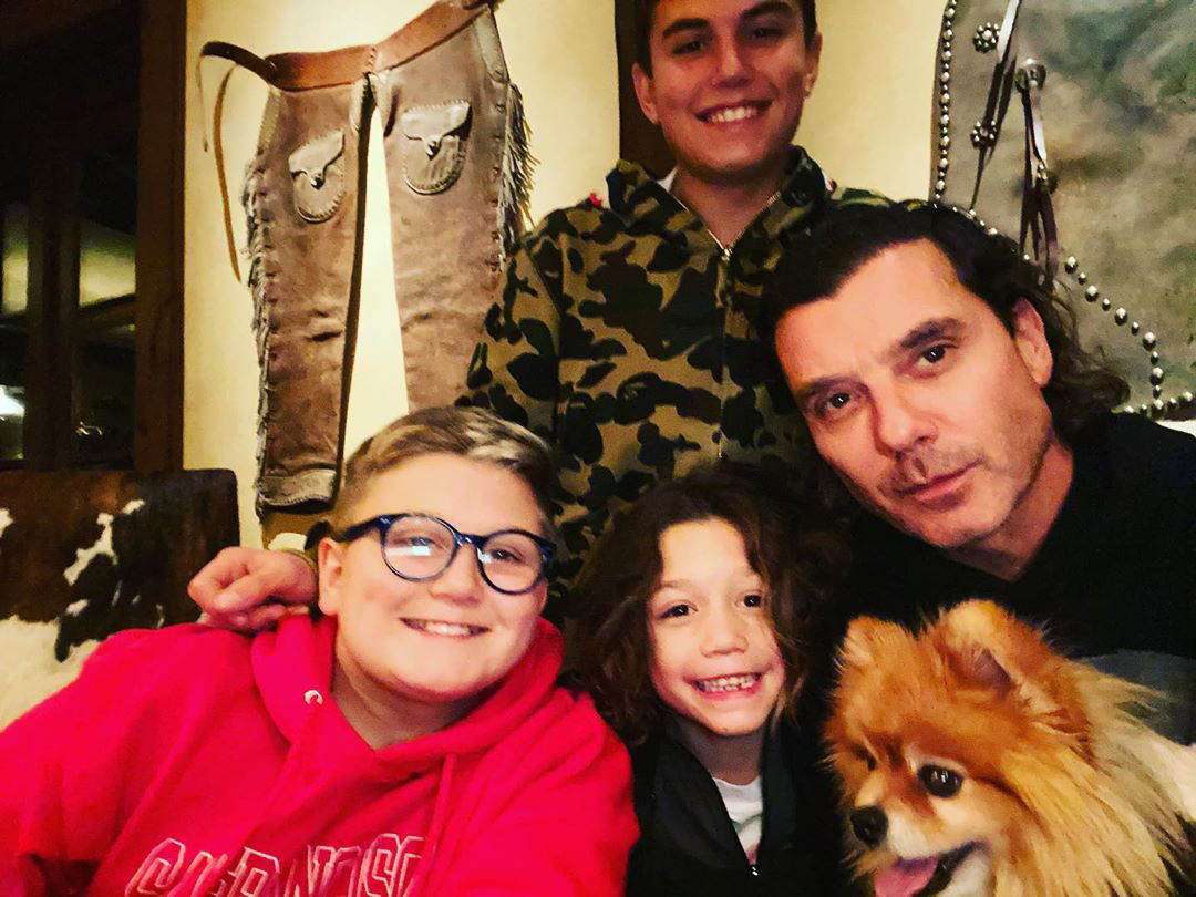 gavin rossdale with his sons and dog